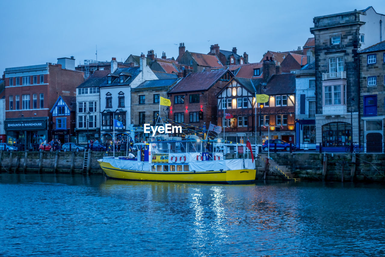 water, architecture, building exterior, built structure, waterfront, nautical vessel, transportation, building, mode of transportation, city, nature, canal, residential district, sky, travel destinations, day, travel, house, outdoors, row house, passenger craft