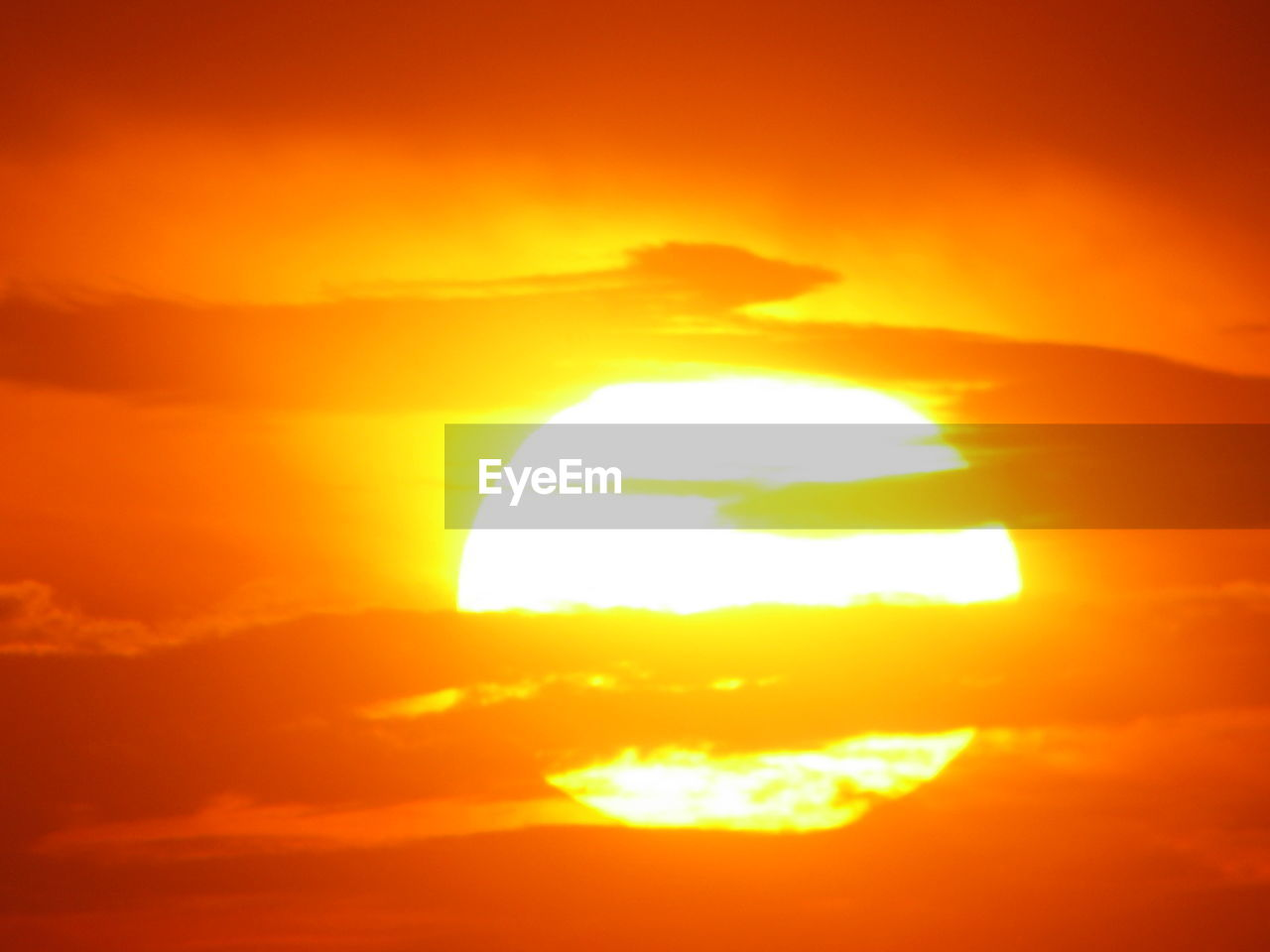 sun, sunset, orange color, beauty in nature, nature, scenics, sky, majestic, yellow, space, solar eclipse, sunlight, outdoors, silhouette, tranquil scene, cloud - sky, tranquility, natural phenomenon, no people, astronomy, day