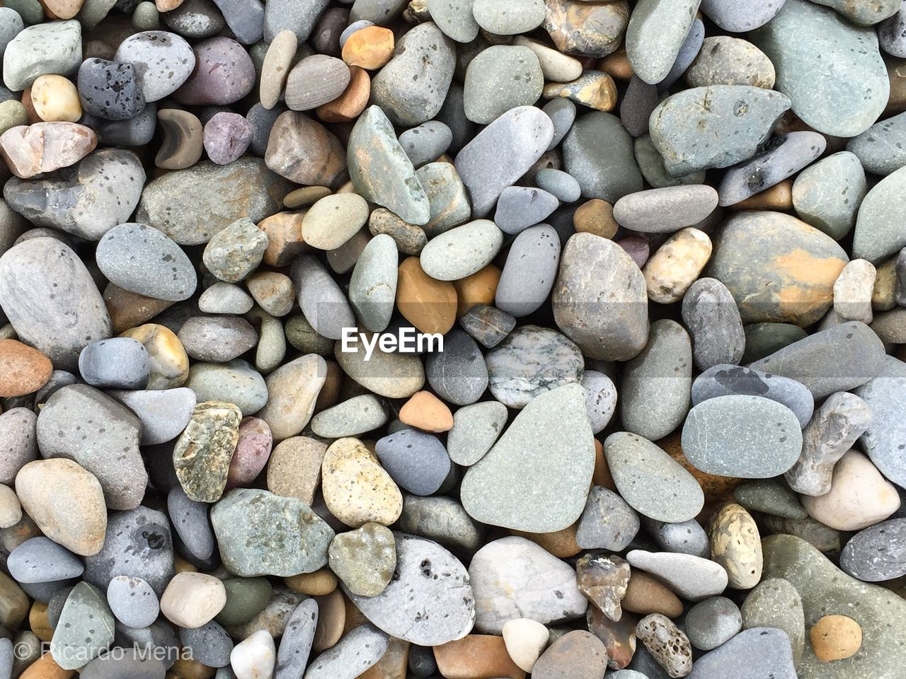 pebble, shore, full frame, pebble beach, beach, large group of objects, backgrounds, nature, abundance, no people, day, outdoors, close-up, beauty in nature