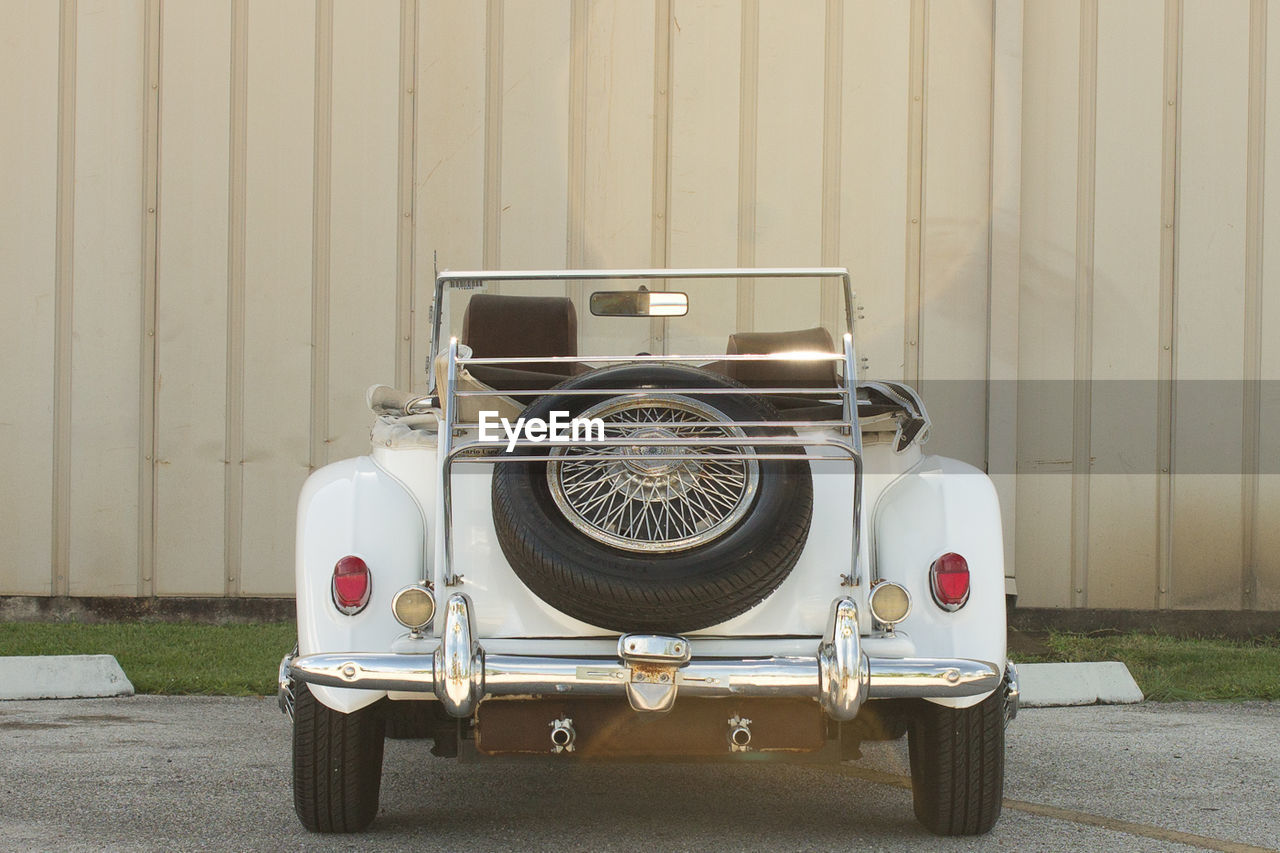 transportation, mode of transport, land vehicle, stationary, day, outdoors, no people, old-fashioned, retro styled, close-up
