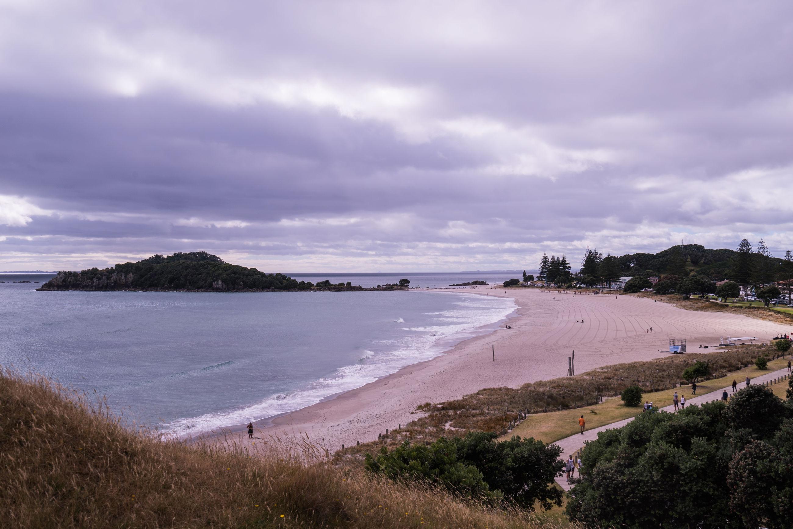PANORAMIC VIEW OF BEACH