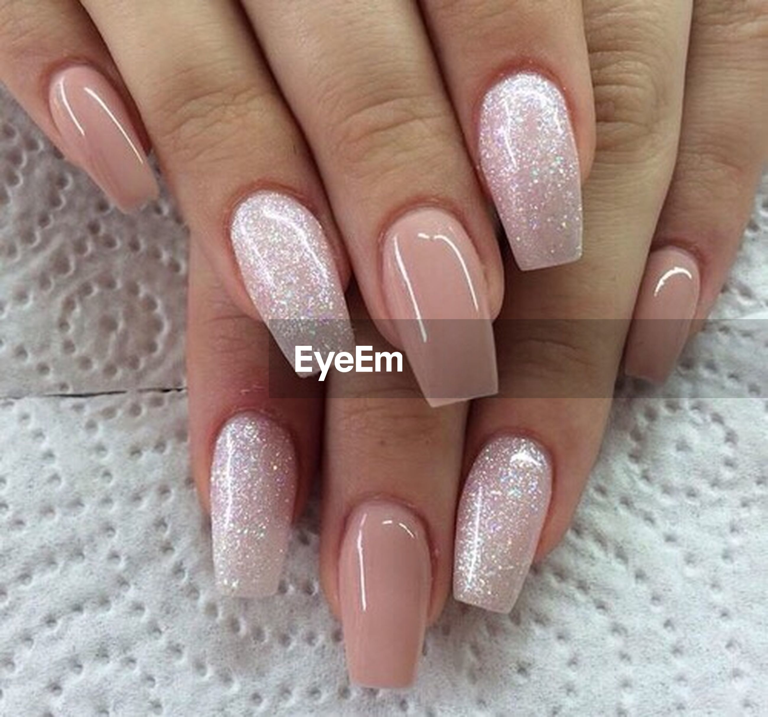 human body part, human hand, fingernail, nail art, nail polish, beauty, manicure, painting fingernails, females, close-up, fashion, adult, shiny, only women, people, adults only, toenail, one woman only, party - social event, beach, indoors, one person, day