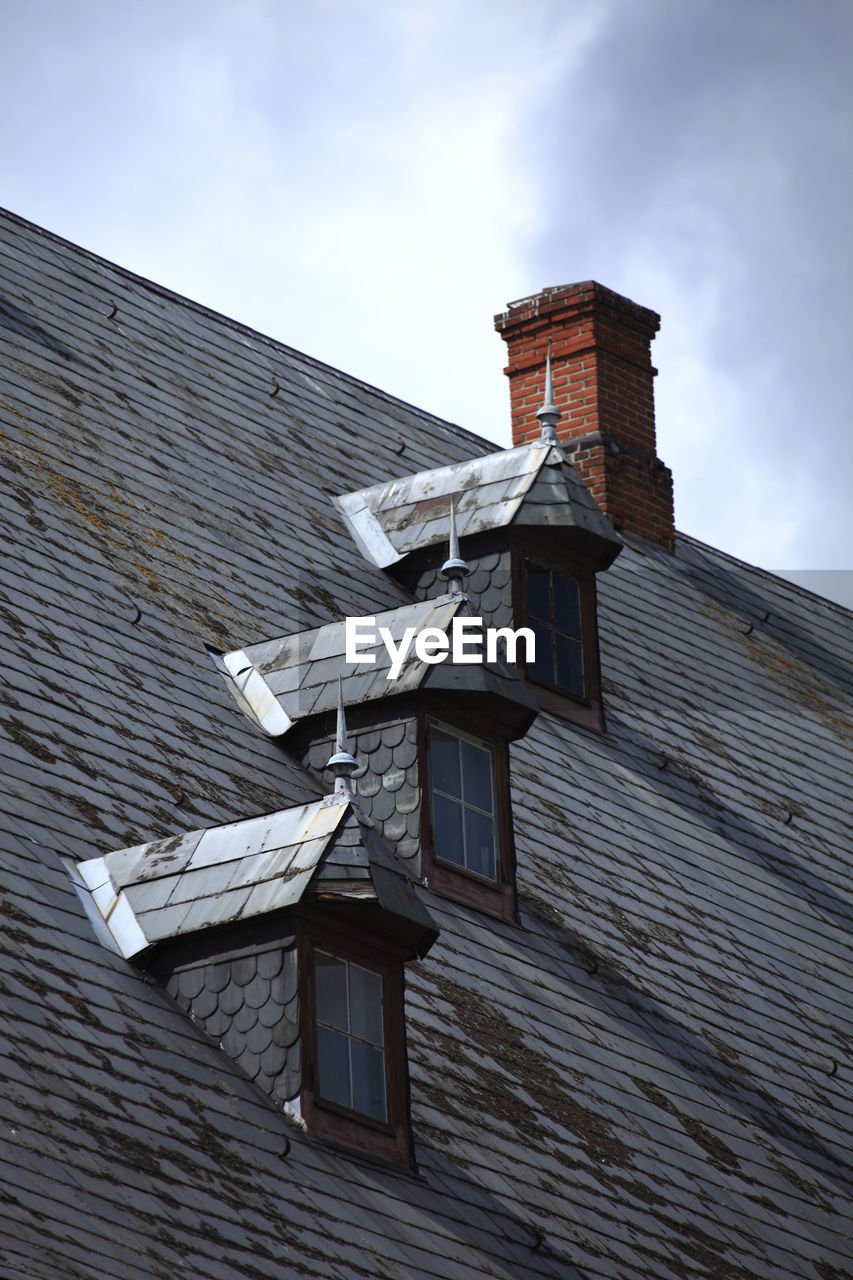 built structure, architecture, building exterior, building, sky, roof, low angle view, cloud - sky, house, nature, no people, residential district, day, roof tile, outdoors, window, old, place of worship, belief, religion