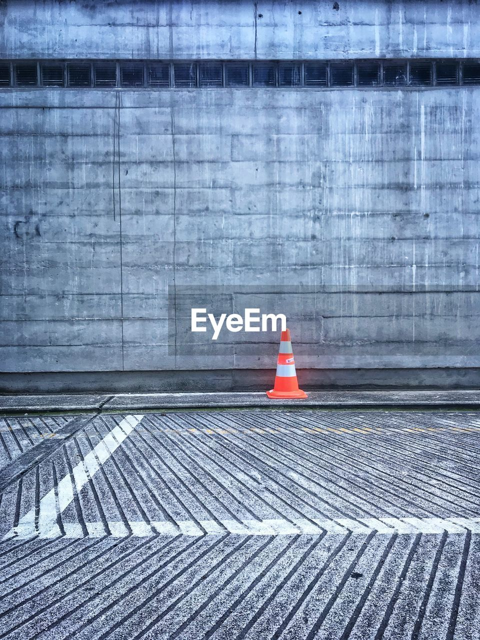 sign, security, no people, traffic cone, guidance, red, architecture, safety, warning sign, cone, day, built structure, communication, protection, outdoors, city, road, direction, nature, building exterior, rules