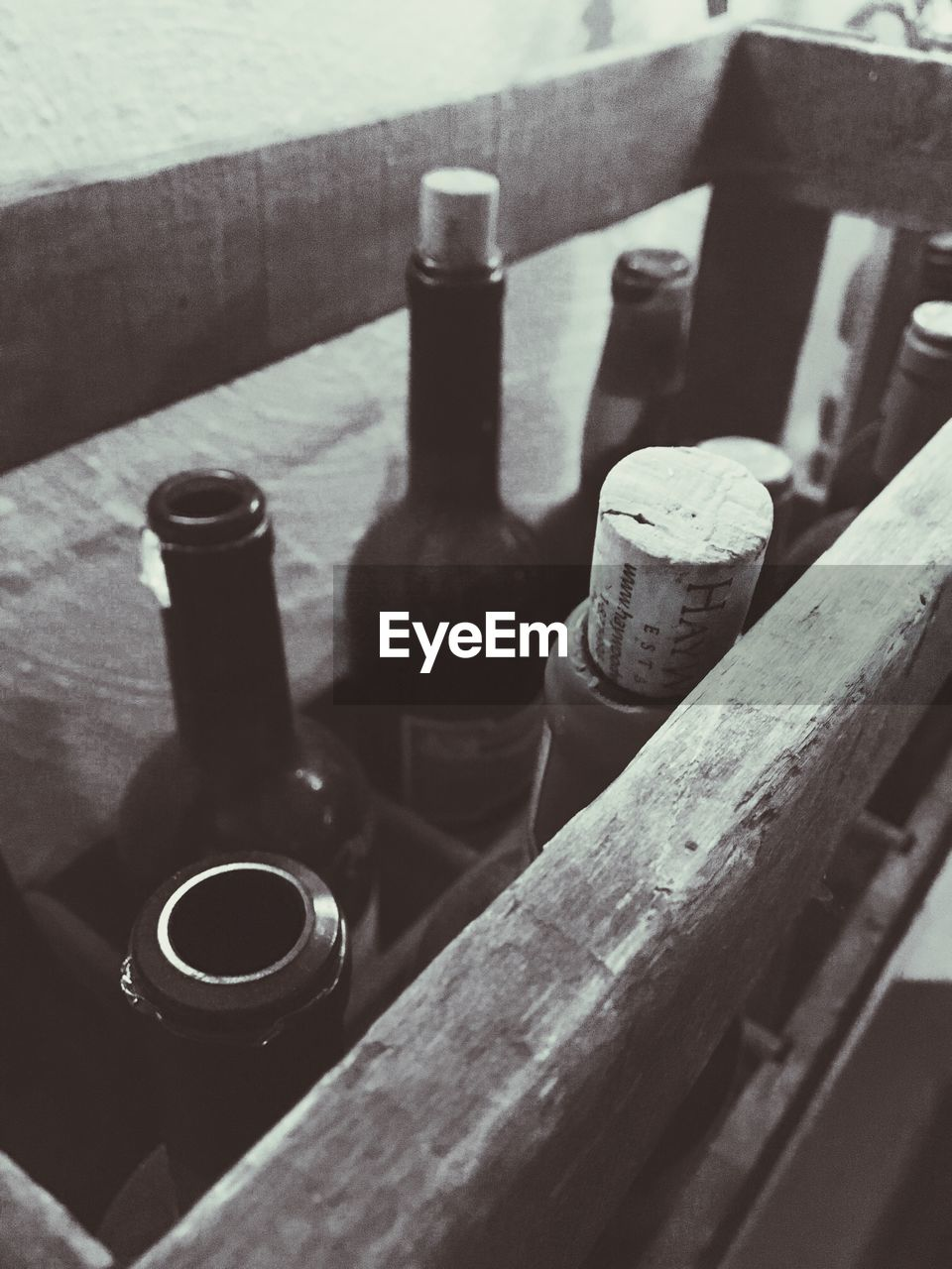 still life, wood - material, bottle, indoors, table, food and drink, no people, high angle view, close-up, day, drink, alcohol