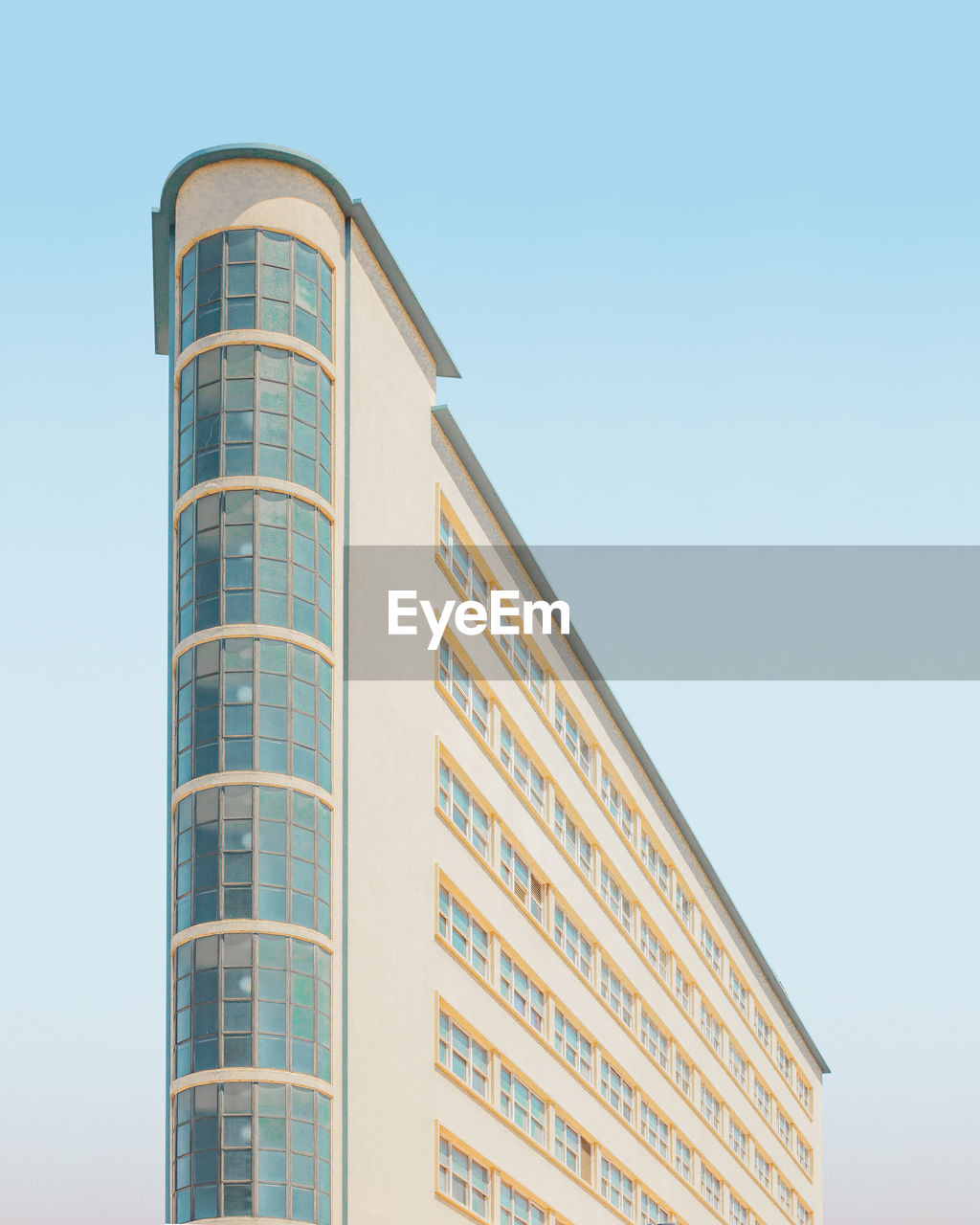 built structure, building exterior, sky, architecture, low angle view, clear sky, building, city, no people, nature, modern, office building exterior, blue, day, copy space, office, outdoors, tall - high, tower, skyscraper