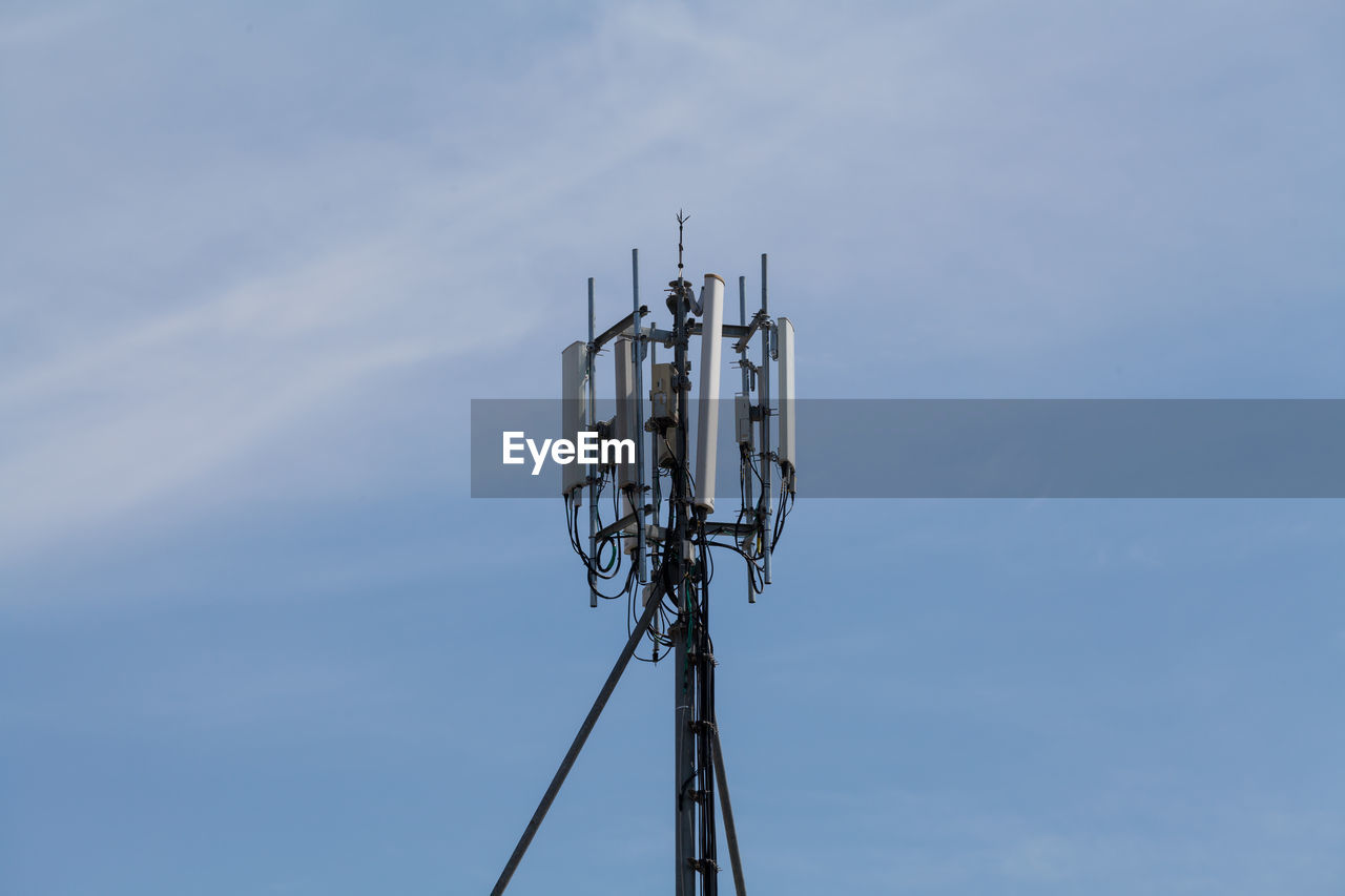 technology, communication, antenna - aerial, sky, connection, no people, tower, telecommunications equipment, broadcasting, low angle view, day, satellite, built structure, wireless technology, nature, global communications, architecture, cloud - sky, satellite dish, metal, outdoors, electrical equipment