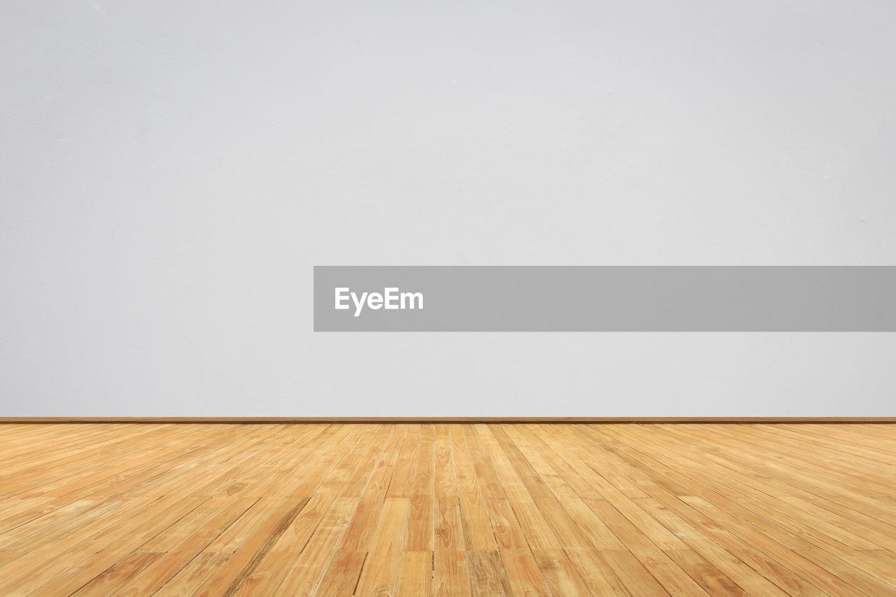 VIEW OF WOODEN FLOOR