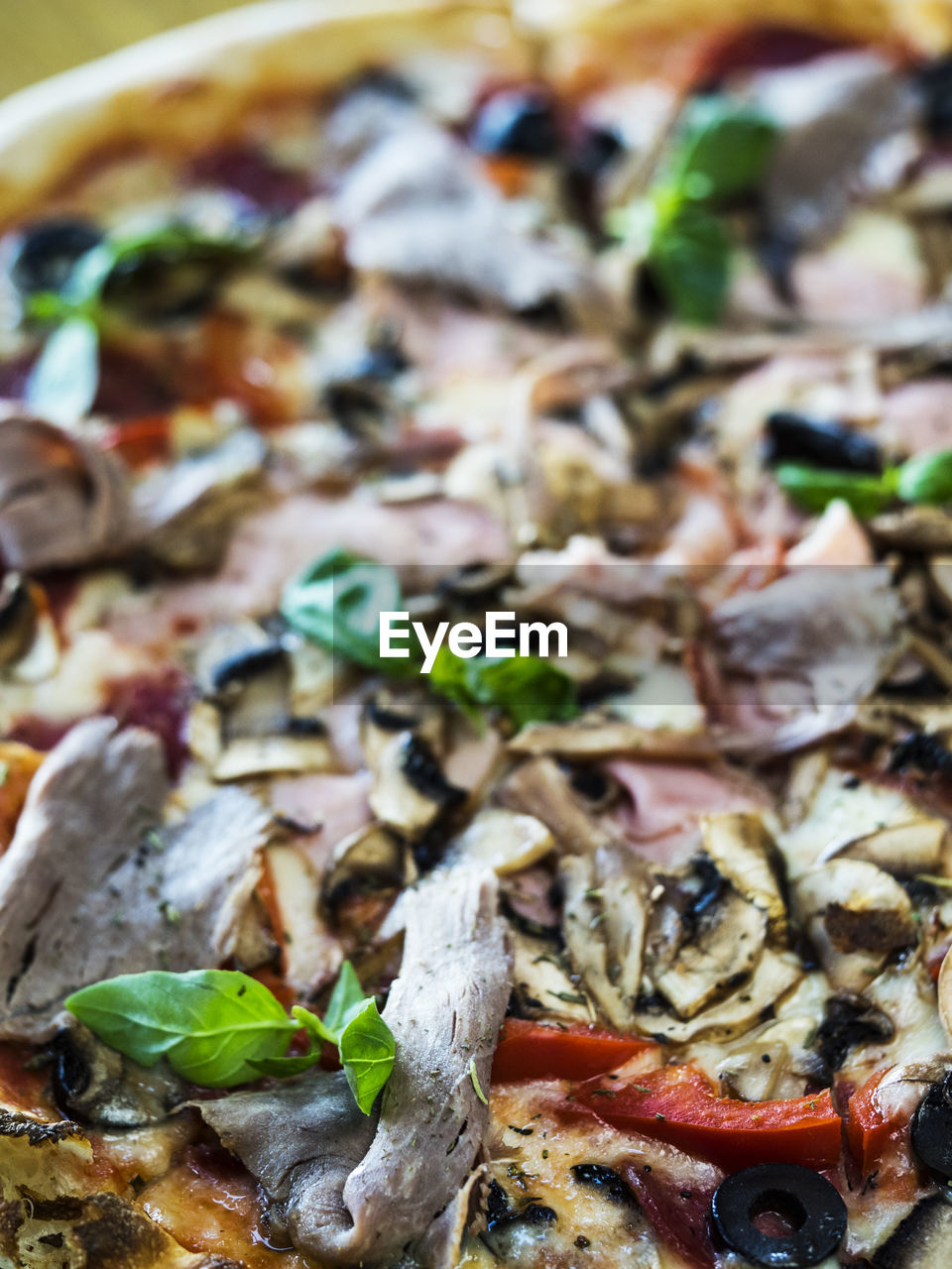 food and drink, food, no people, freshness, pizza, italian food, indoors, close-up, healthy eating, ready-to-eat, mushroom, day