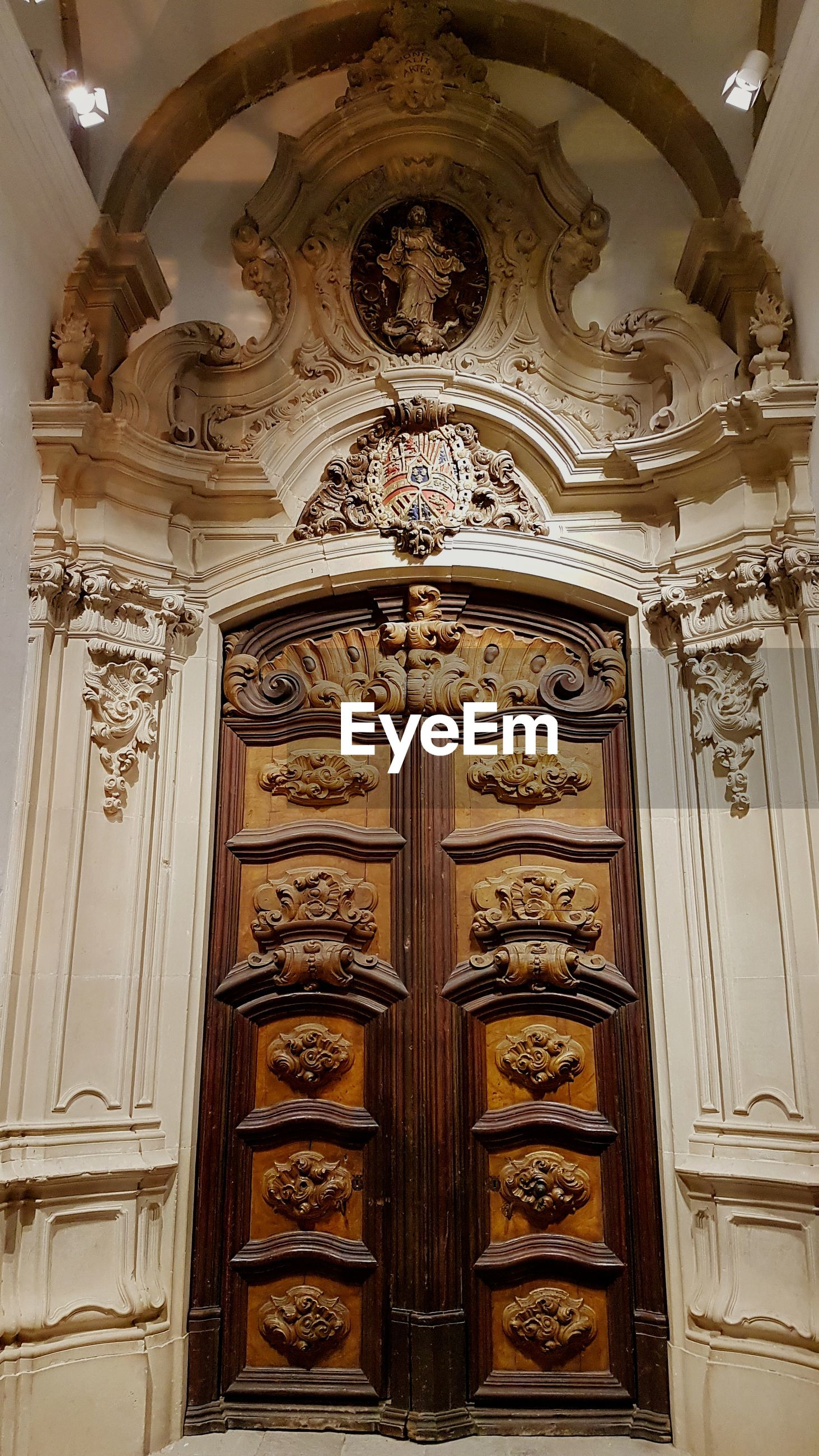 door, ornate, no people, history, architecture, built structure, indoors, day, close-up