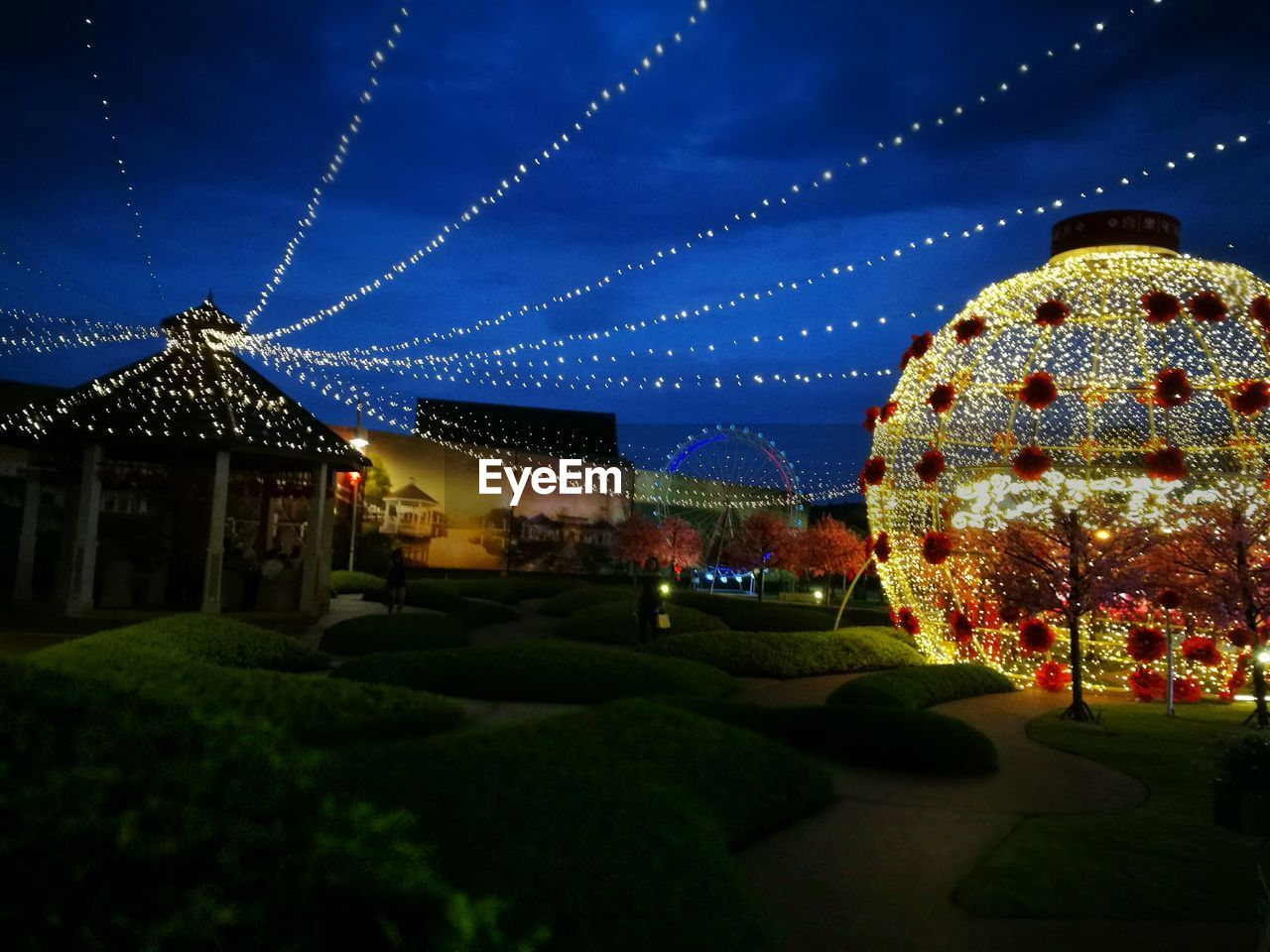 night, illuminated, architecture, built structure, building exterior, outdoors, no people, sky, arts culture and entertainment, christmas lights, christmas decoration, nature, city