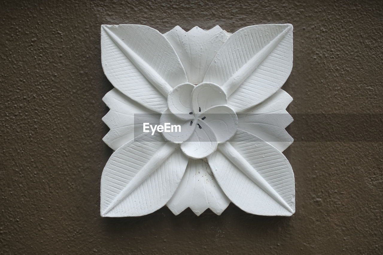 white color, directly above, indoors, no people, table, close-up, ribbon - sewing item, freshness, flower head, day