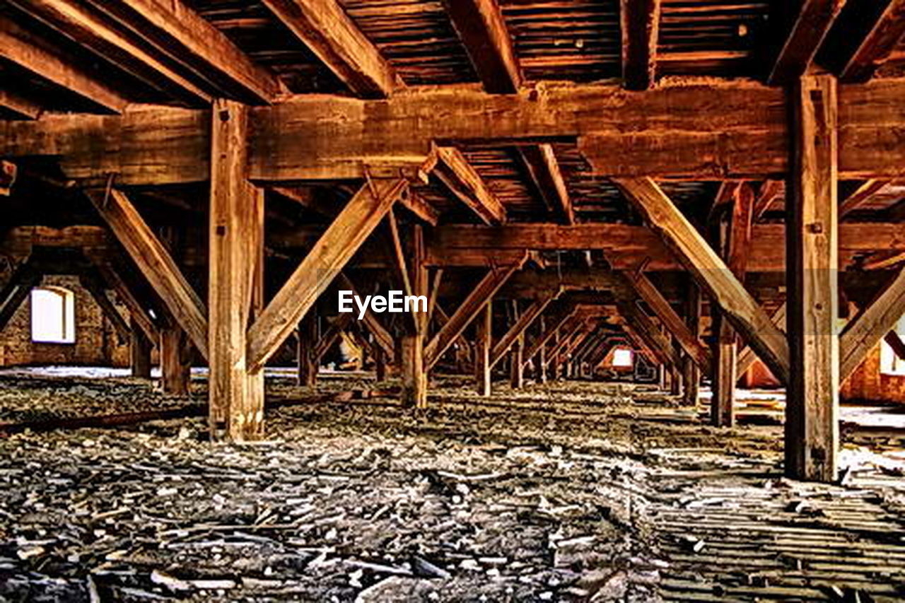 roof beam, wood - material, built structure, architecture, construction frame, construction site, no people, day, girder, industry, indoors