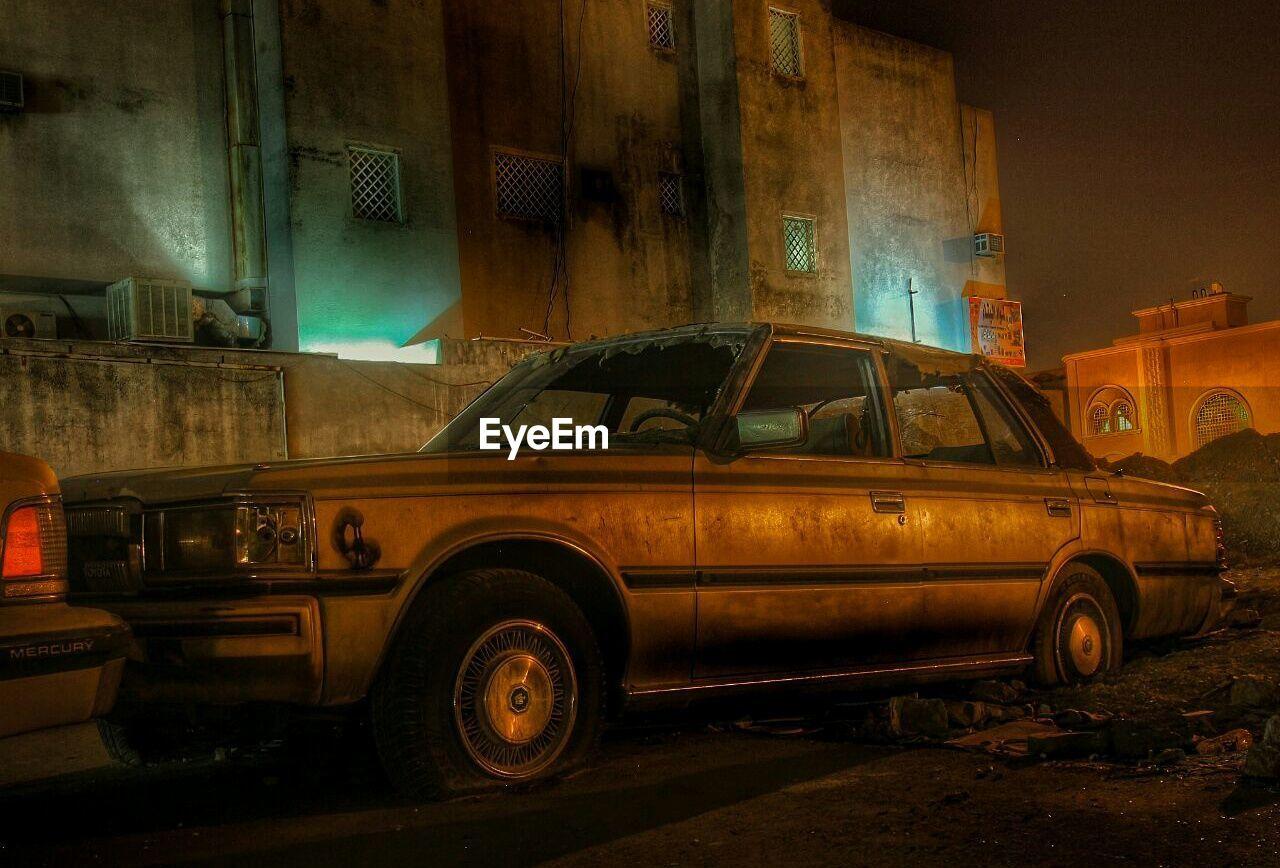VINTAGE CAR IN NIGHT