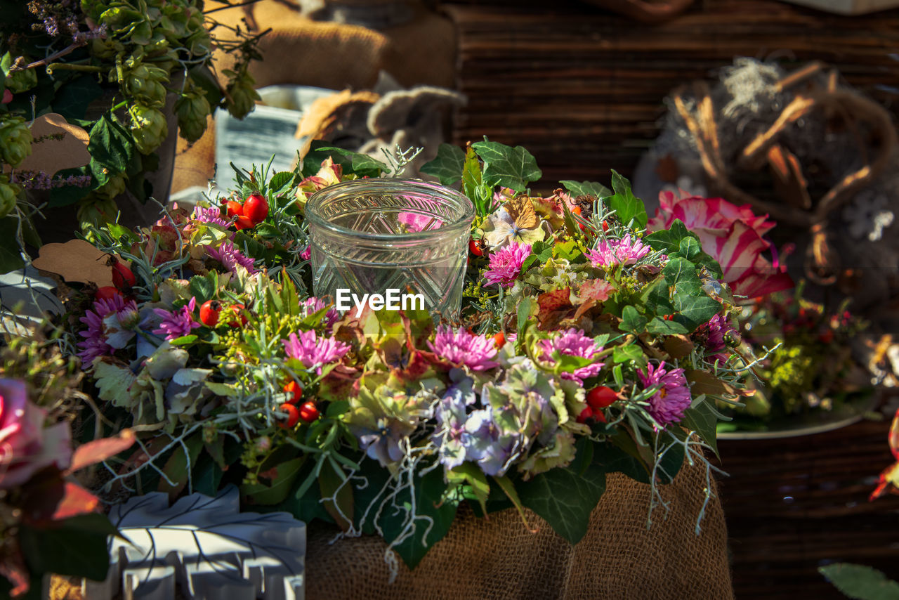 flower, flowering plant, plant, freshness, vulnerability, fragility, beauty in nature, nature, petal, close-up, focus on foreground, day, no people, basket, flower arrangement, choice, outdoors, variation, flower head, multi colored, bouquet