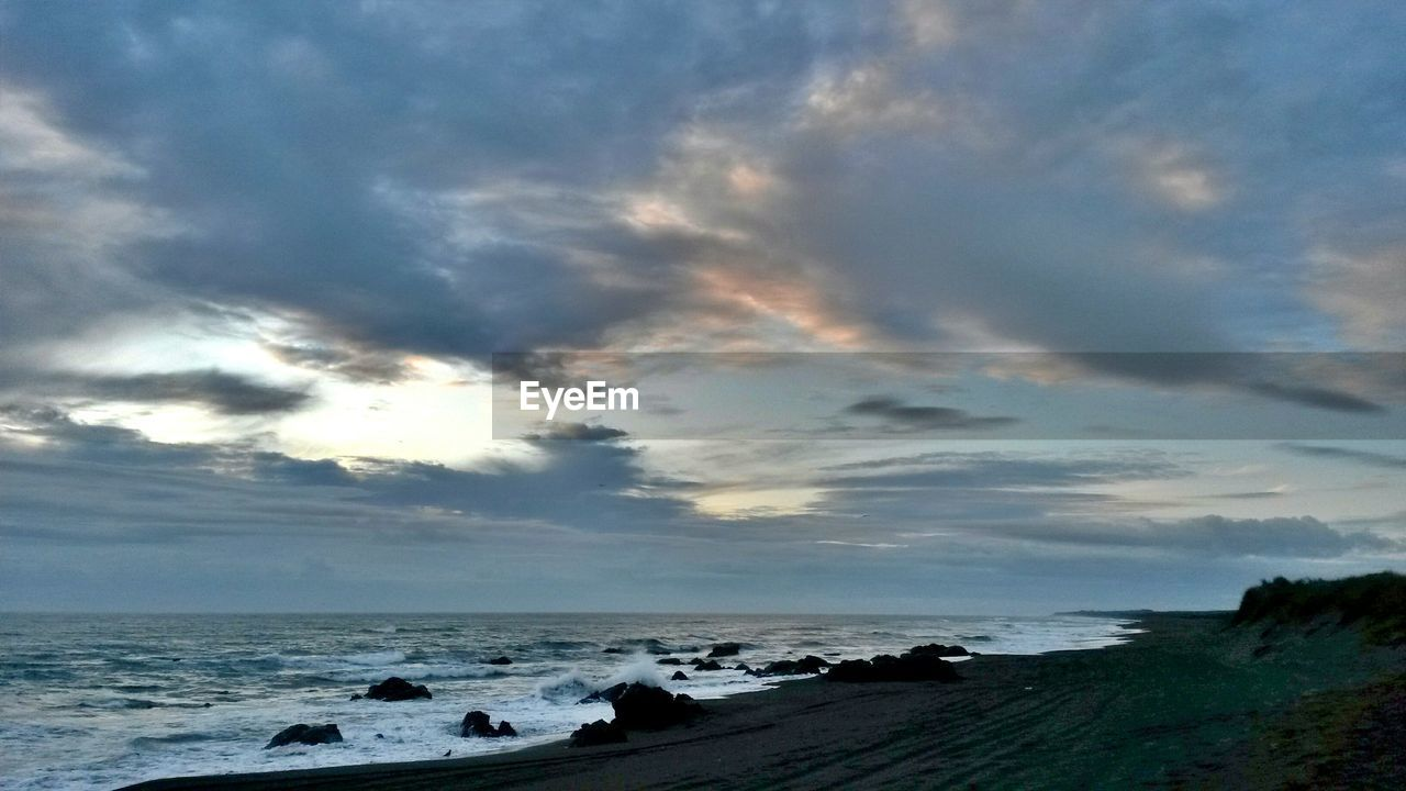 sea, water, sky, horizon over water, cloud - sky, nature, scenics, beach, beauty in nature, tranquil scene, tranquility, outdoors, day, wave, no people