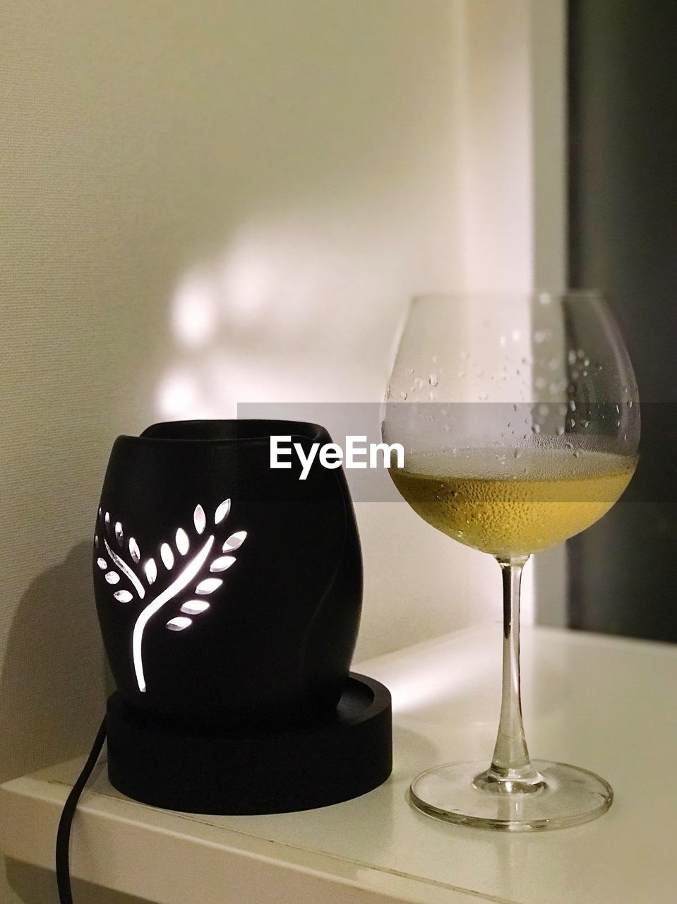 drink, food and drink, refreshment, glass, still life, alcohol, indoors, table, close-up, focus on foreground, wineglass, glass - material, no people, freshness, wine, transparent, food, household equipment, nature, drinking glass, crockery