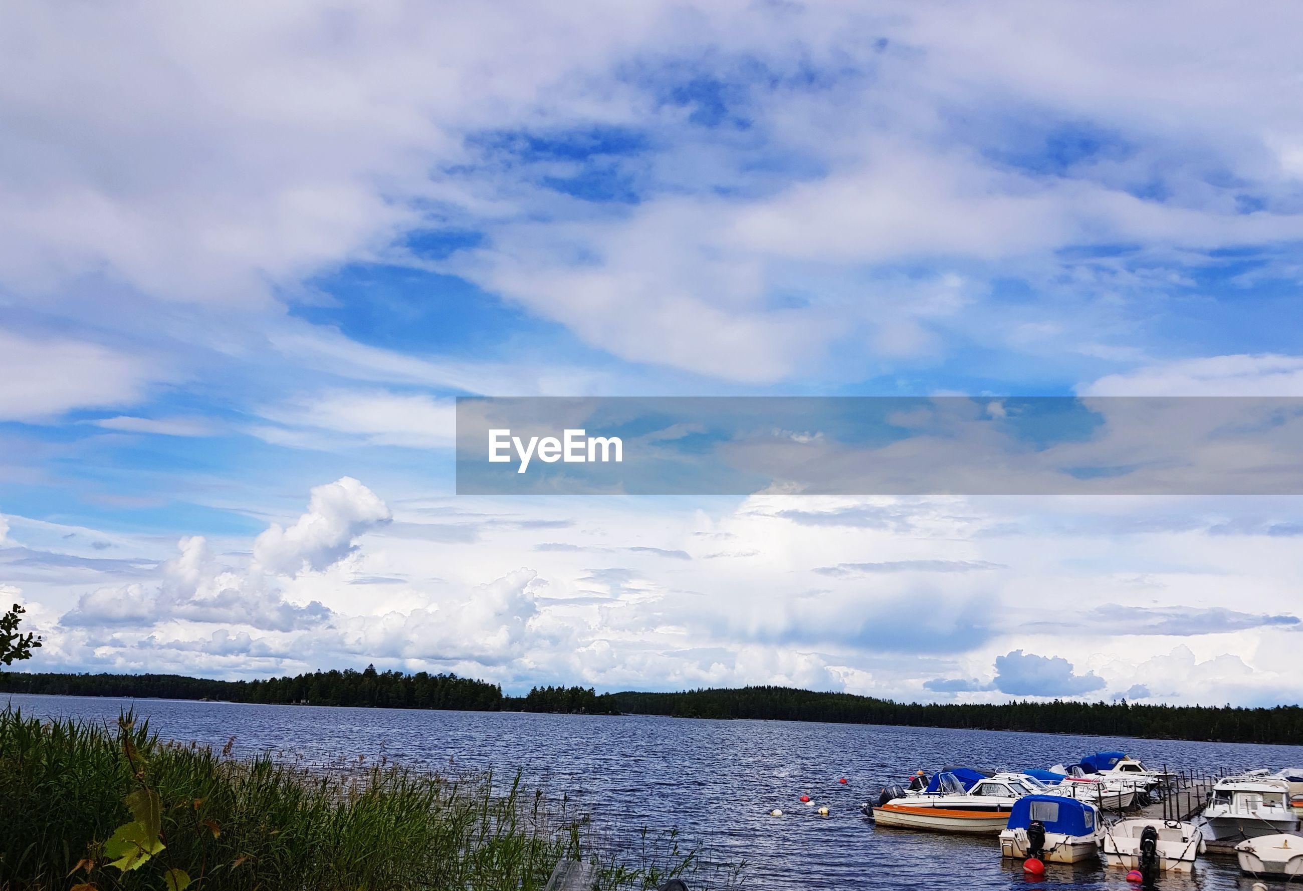 VIEW OF LAKE AGAINST SKY