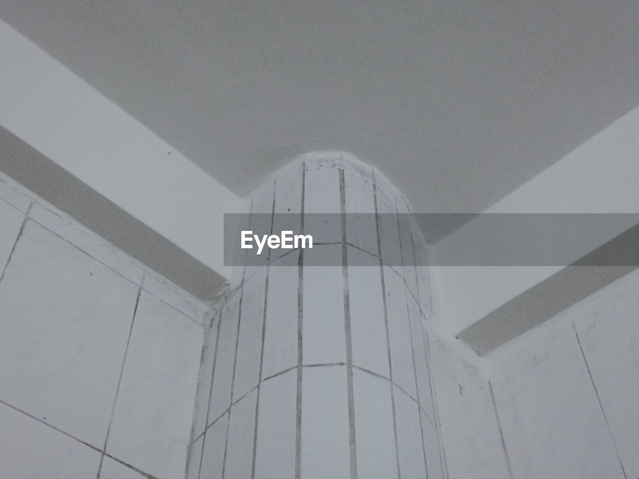 architecture, built structure, indoors, low angle view, ceiling, pattern, building exterior, wall - building feature, architectural feature, building, modern, no people, design, day, geometric shape, wall, arch, white color, directly below, famous place