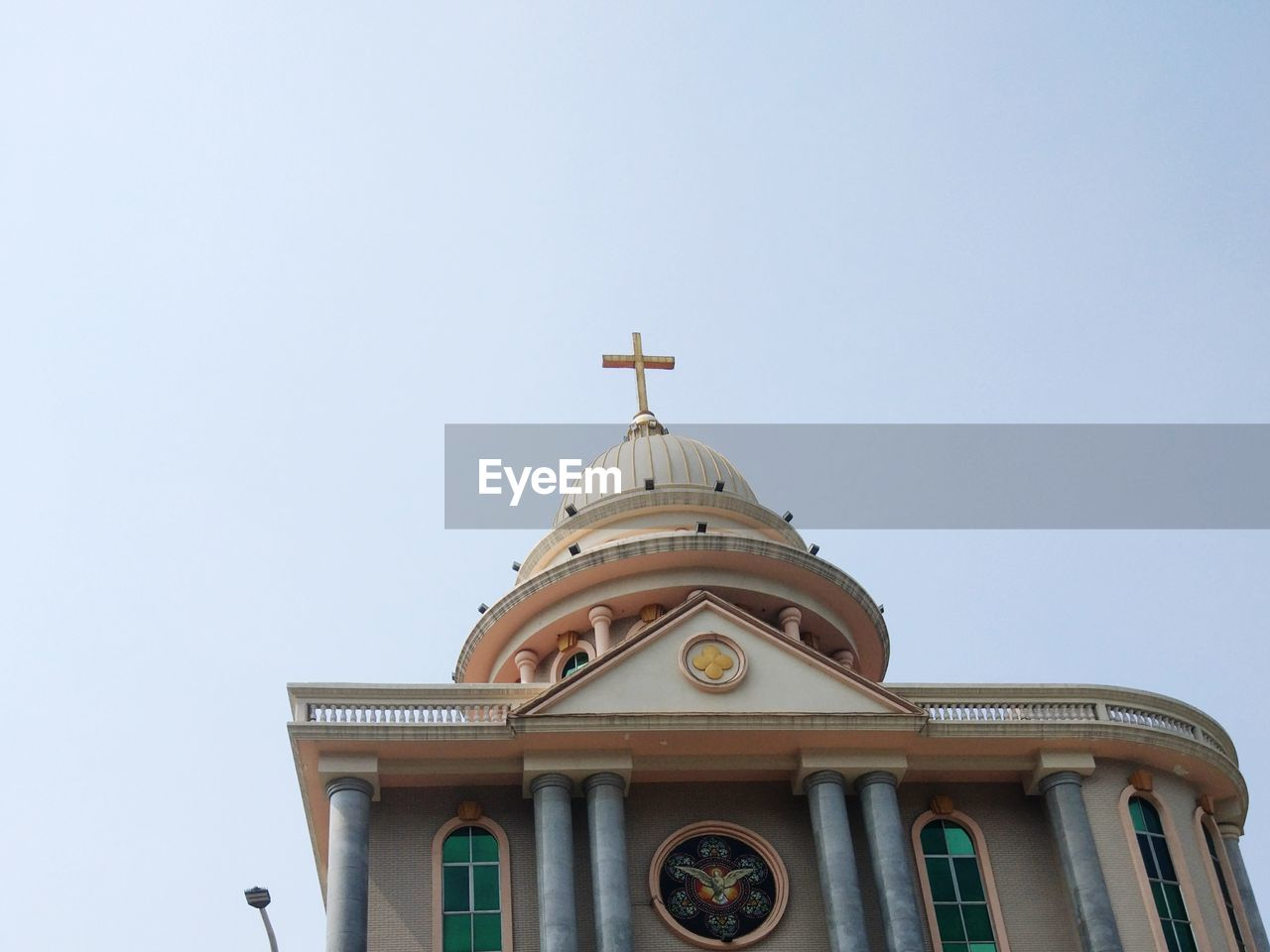 low angle view, architecture, built structure, building exterior, copy space, clear sky, day, no people, outdoors, religion, place of worship, sky