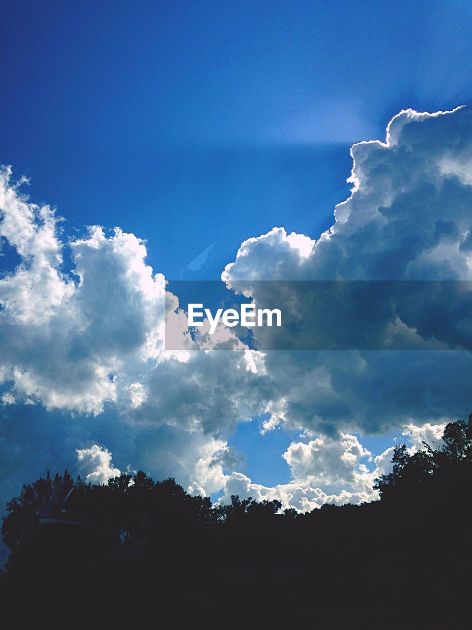sky, beauty in nature, nature, cloud - sky, tranquility, scenics, blue, low angle view, outdoors, no people, day