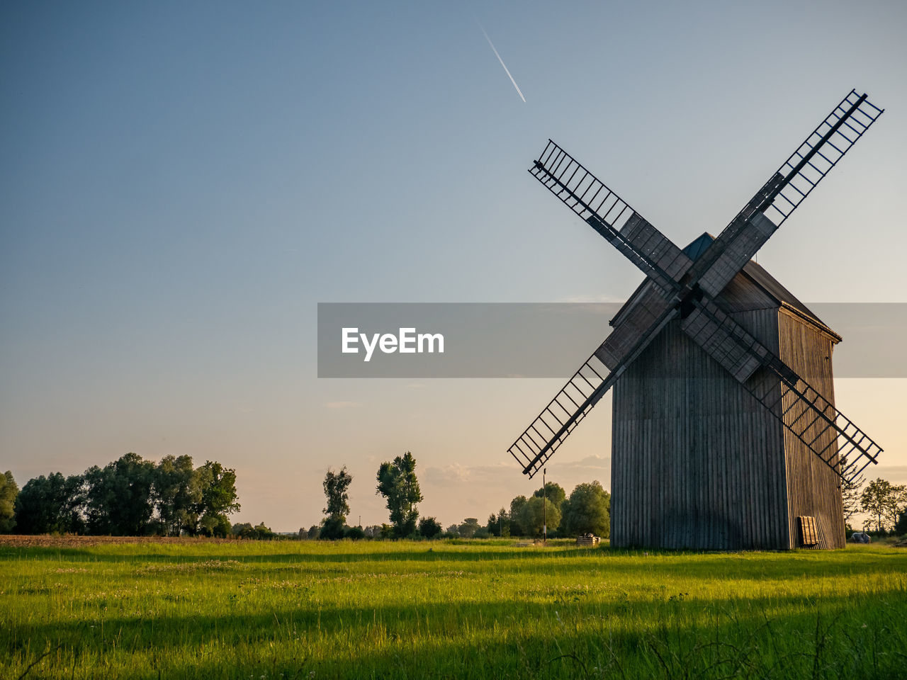 environment, environmental conservation, turbine, wind turbine, field, sky, landscape, renewable energy, rural scene, wind power, fuel and power generation, alternative energy, land, plant, traditional windmill, nature, grass, beauty in nature, agriculture, farm, outdoors