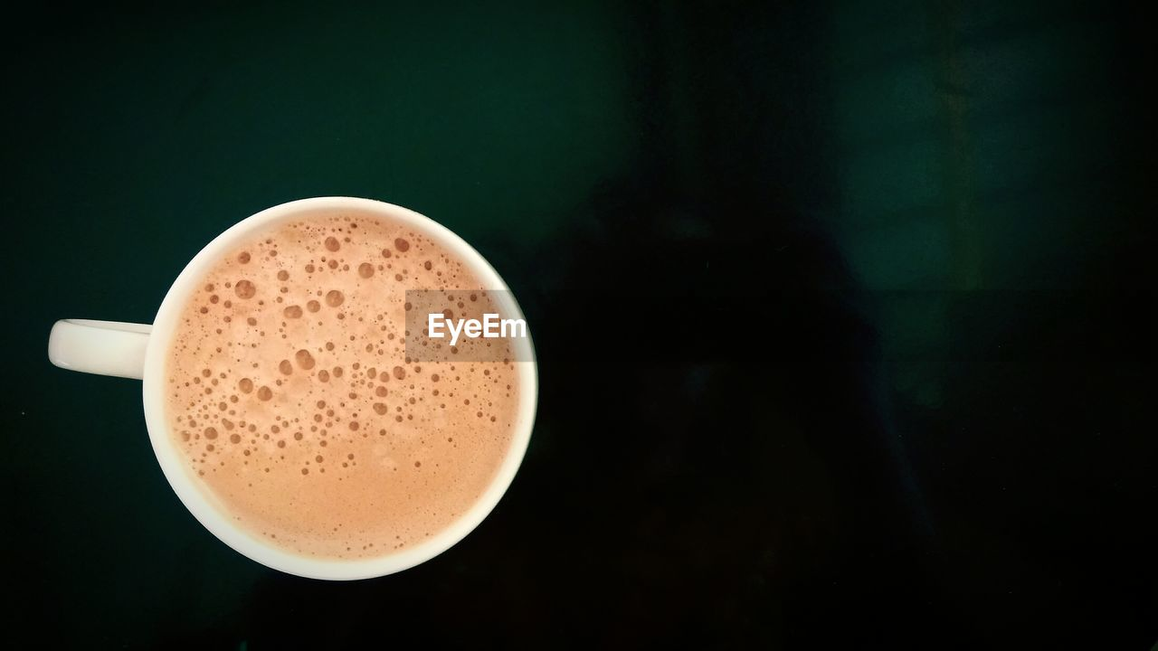 drink, coffee cup, coffee - drink, frothy drink, food and drink, refreshment, cup, cappuccino, latte, table, froth, espresso, freshness, no people, froth art, beverage, close-up, indoors, mocha, day