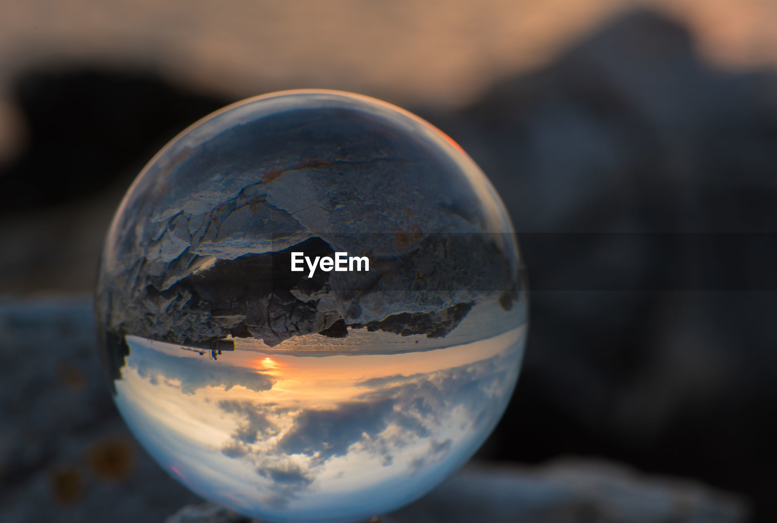 UPSIDE DOWN IMAGE OF CRYSTAL BALL