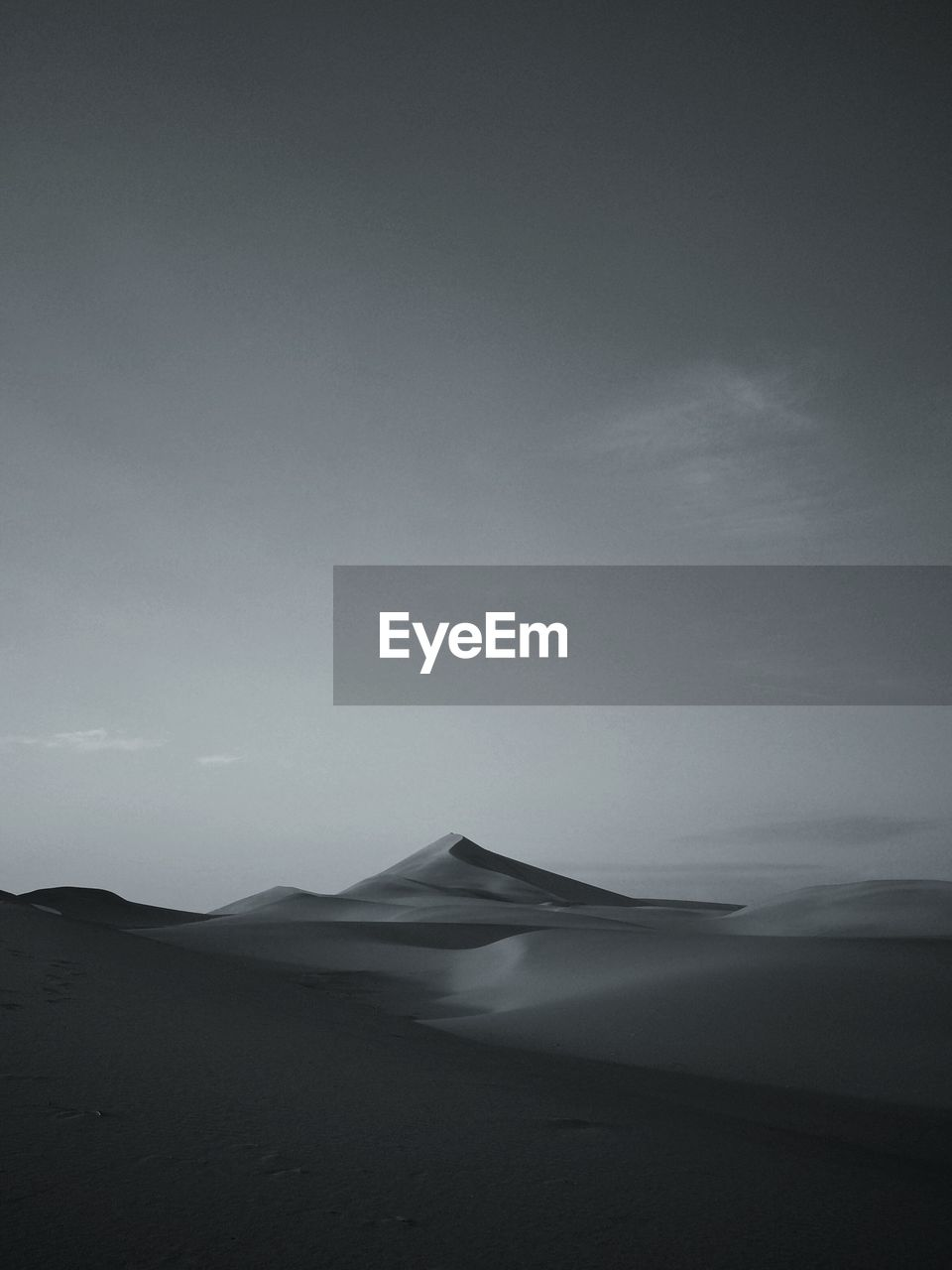 sky, scenics - nature, beauty in nature, land, tranquility, tranquil scene, environment, landscape, no people, desert, nature, copy space, non-urban scene, remote, cloud - sky, travel destinations, climate, day, arid climate, sand