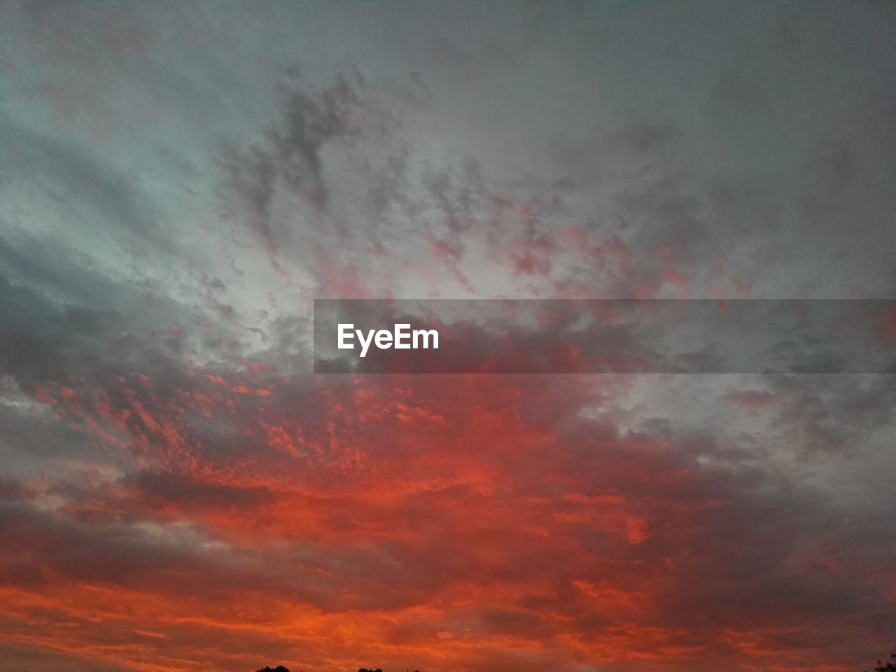 sky, cloud - sky, beauty in nature, sunset, scenics - nature, tranquil scene, tranquility, no people, low angle view, nature, orange color, dramatic sky, cloudscape, red, backgrounds, idyllic, outdoors, full frame, awe, meteorology, ominous