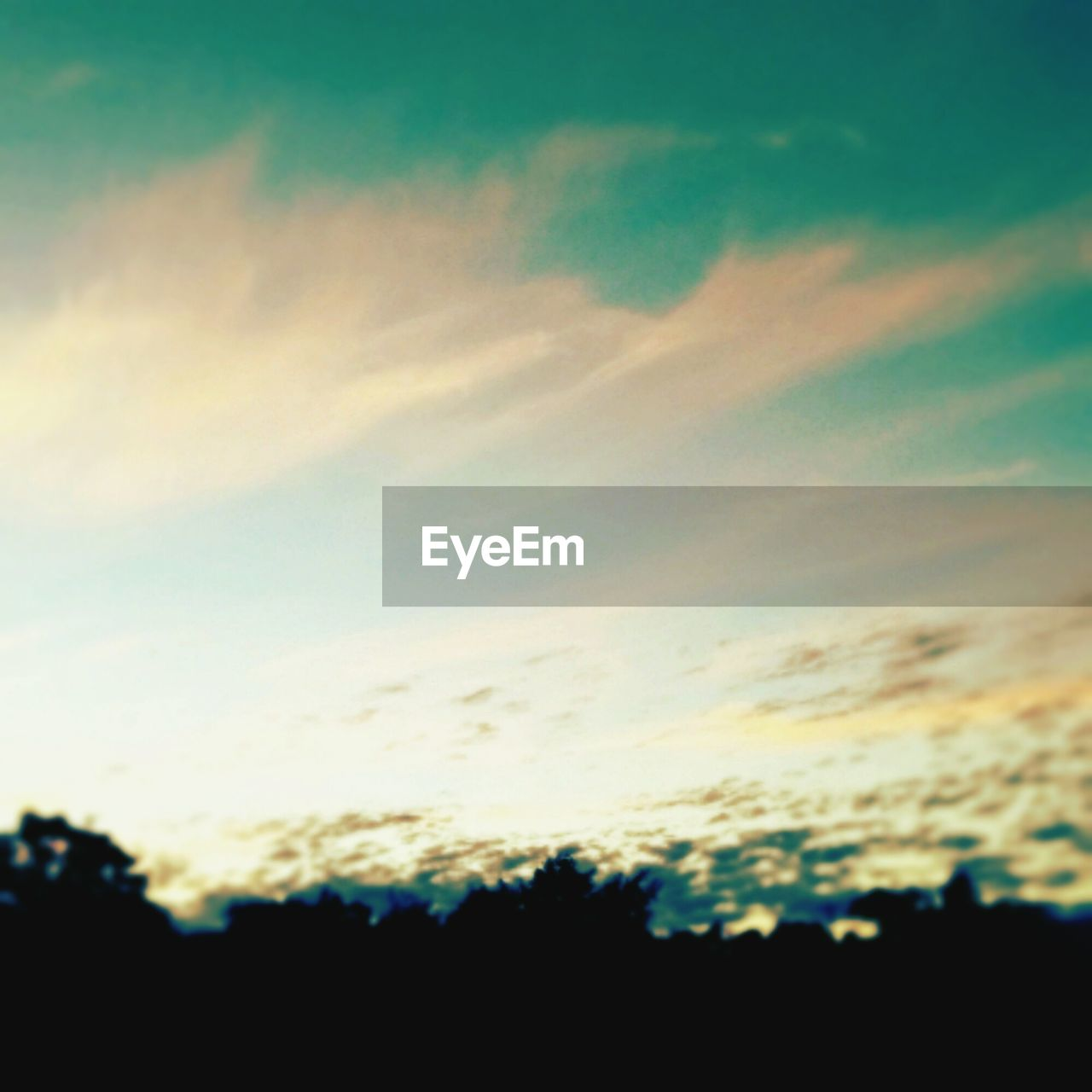 silhouette, nature, sky, sunset, beauty in nature, scenics, cloud - sky, outdoors, tranquil scene, dramatic sky, tranquility, no people, backgrounds, low angle view, sky only, day