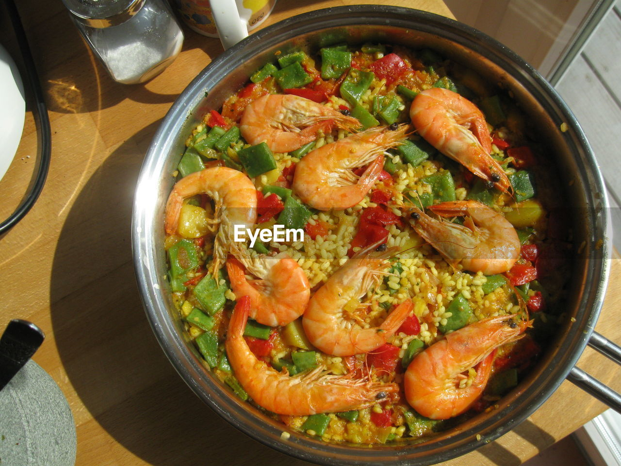 food and drink, food, healthy eating, indoors, freshness, ready-to-eat, high angle view, table, wellbeing, vegetable, seafood, shrimp - seafood, still life, no people, close-up, kitchen utensil, cooking pan, crustacean, household equipment, prawn