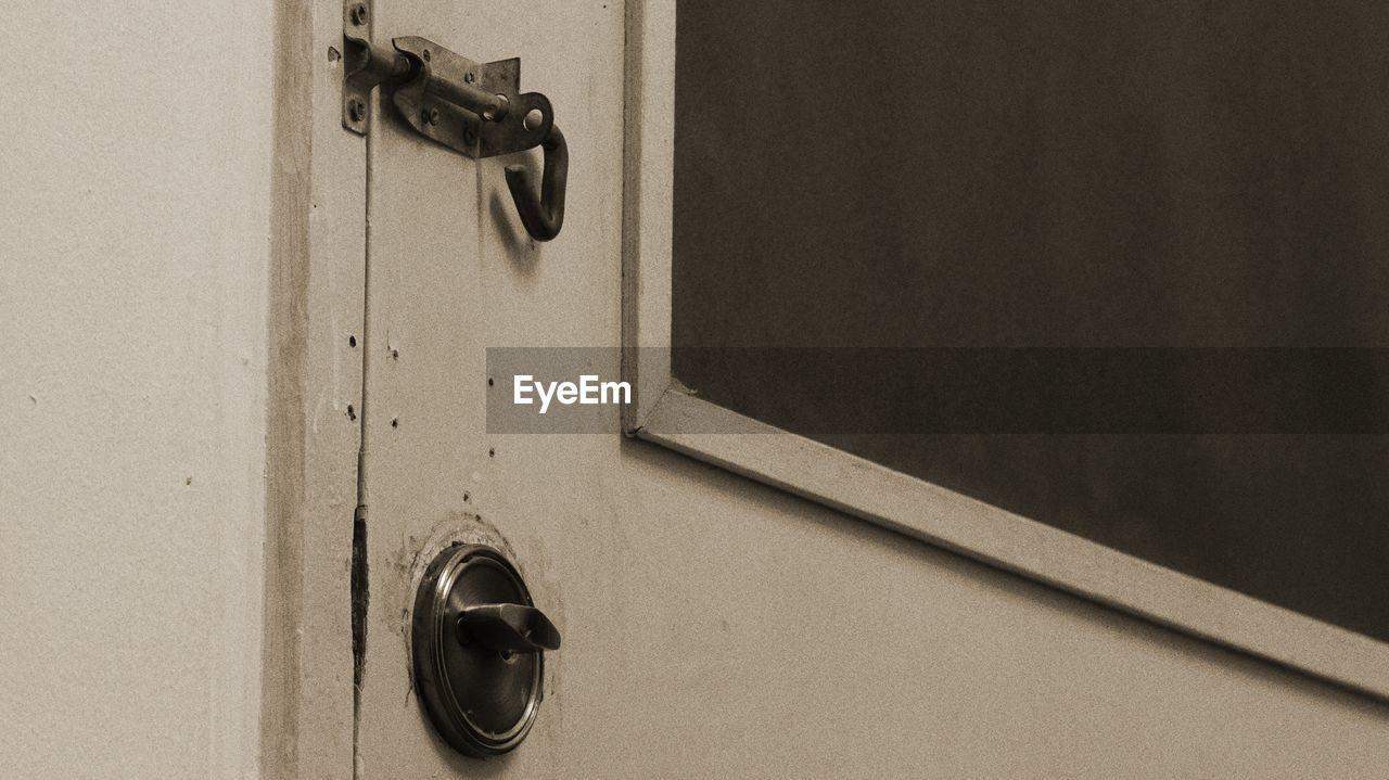 door, close-up, door handle, safety, no people, protection, indoors, day