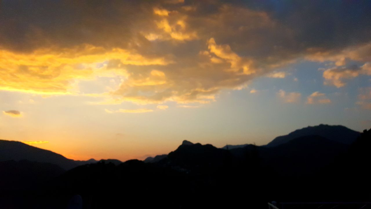 sunset, silhouette, mountain, scenics, sky, beauty in nature, nature, tranquil scene, tranquility, no people, cloud - sky, outdoors, mountain range, landscape, tree, day