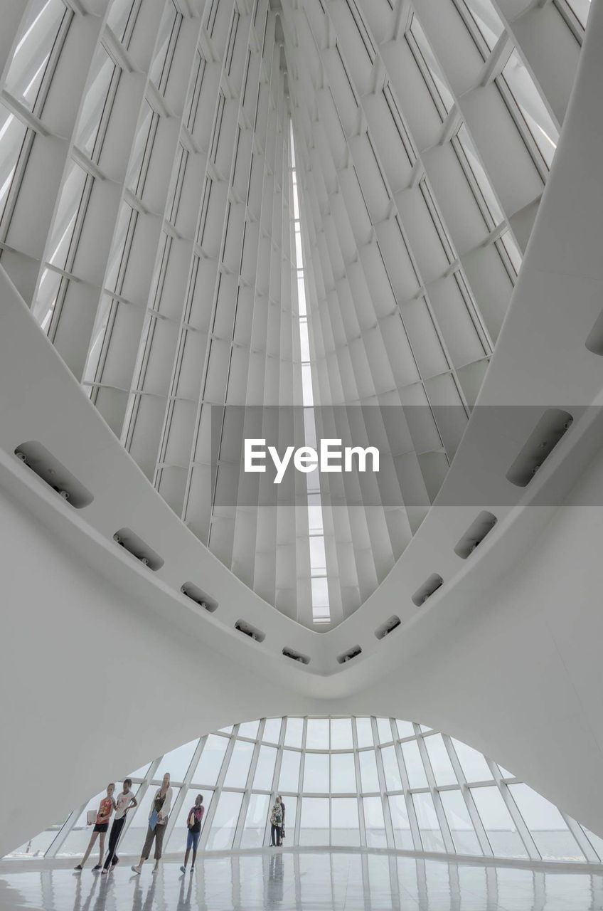 indoors, low angle view, ceiling, architecture, built structure, modern, no people, architectural design, day