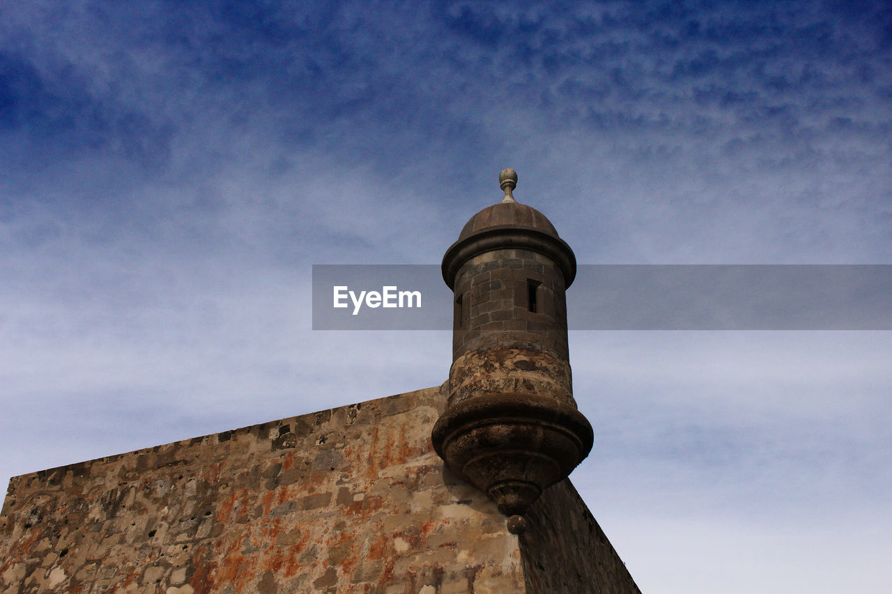 architecture, built structure, sky, low angle view, building exterior, outdoors, cloud - sky, day, history, no people