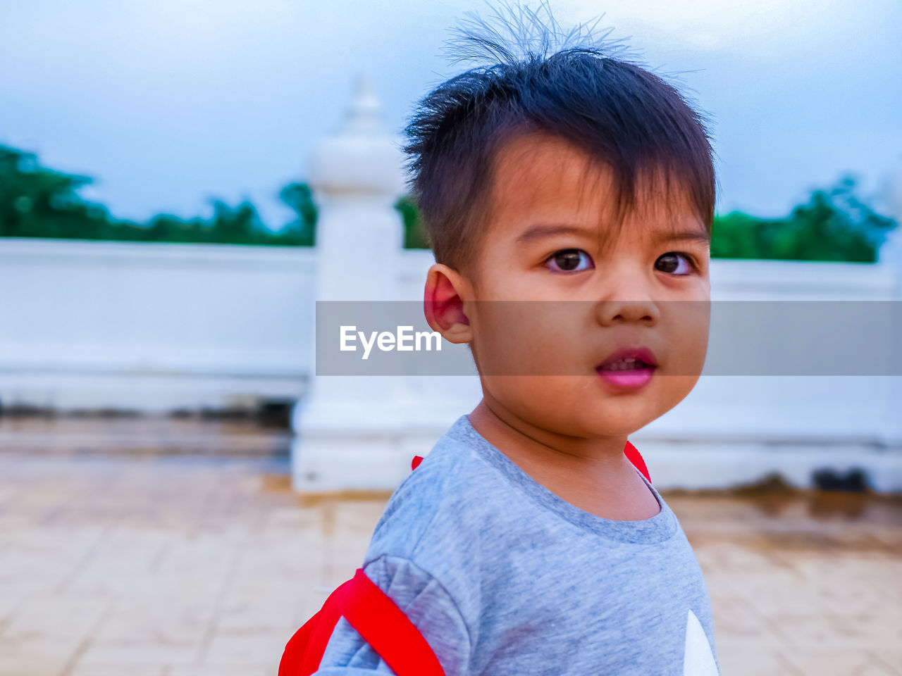 childhood, child, focus on foreground, one person, boys, real people, innocence, males, cute, portrait, looking away, men, casual clothing, looking, day, lifestyles