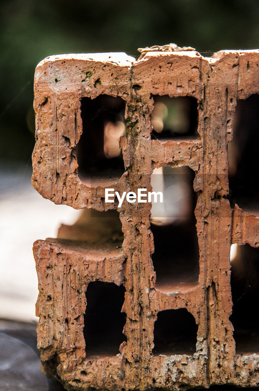 focus on foreground, abandoned, close-up, damaged, run-down, decline, metal, deterioration, rusty, no people, old, weathered, obsolete, bad condition, old ruin, history, day, broken, the past, outdoors, ruined, wheel