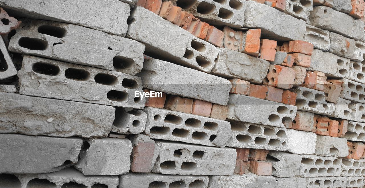 brick wall, no people, outdoors, pattern, architecture, built structure, day, backgrounds, building exterior, close-up