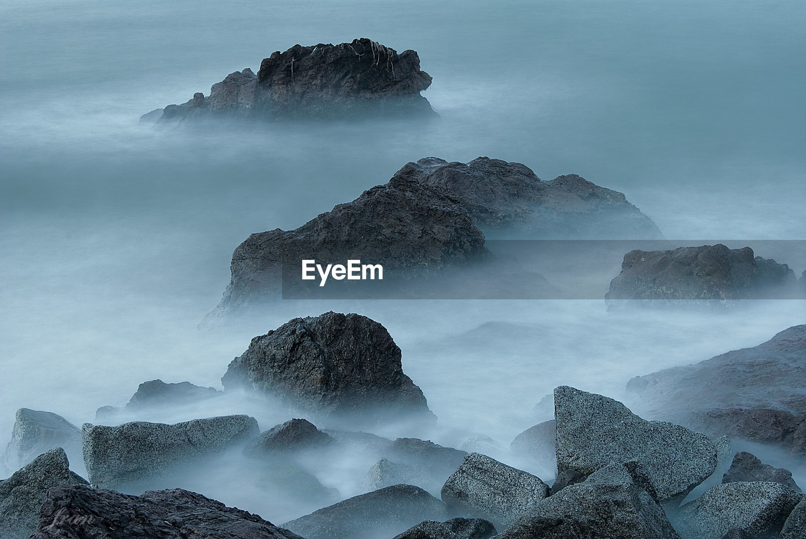PANORAMIC VIEW OF SEA AND ROCKS
