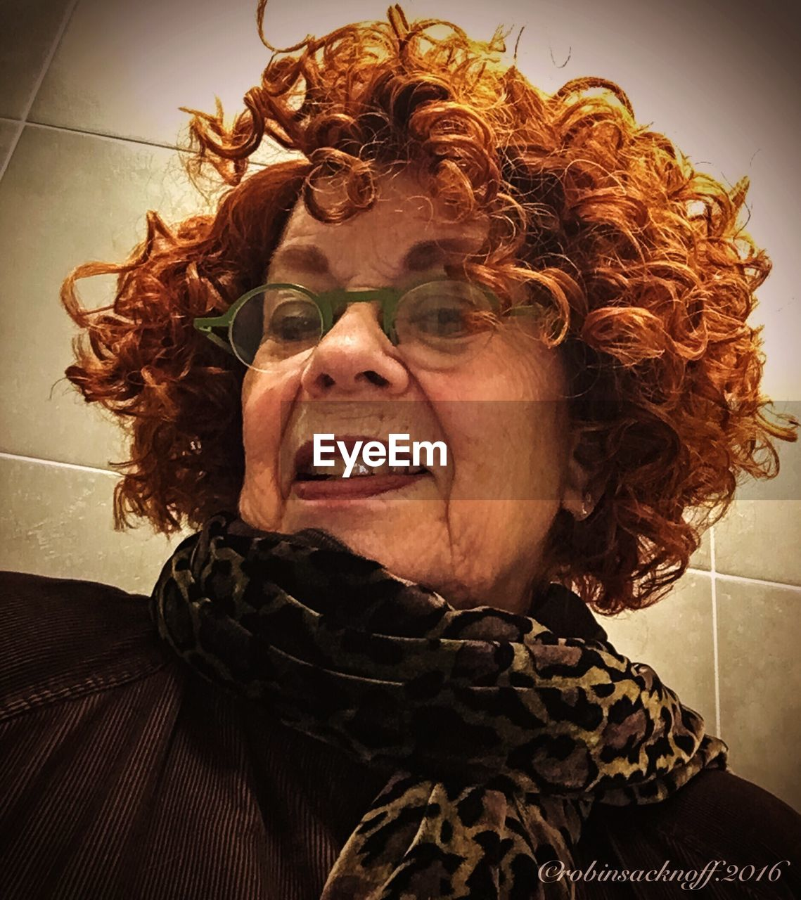 real people, one person, curly hair, redhead, indoors, front view, home interior, lifestyles, close-up, day