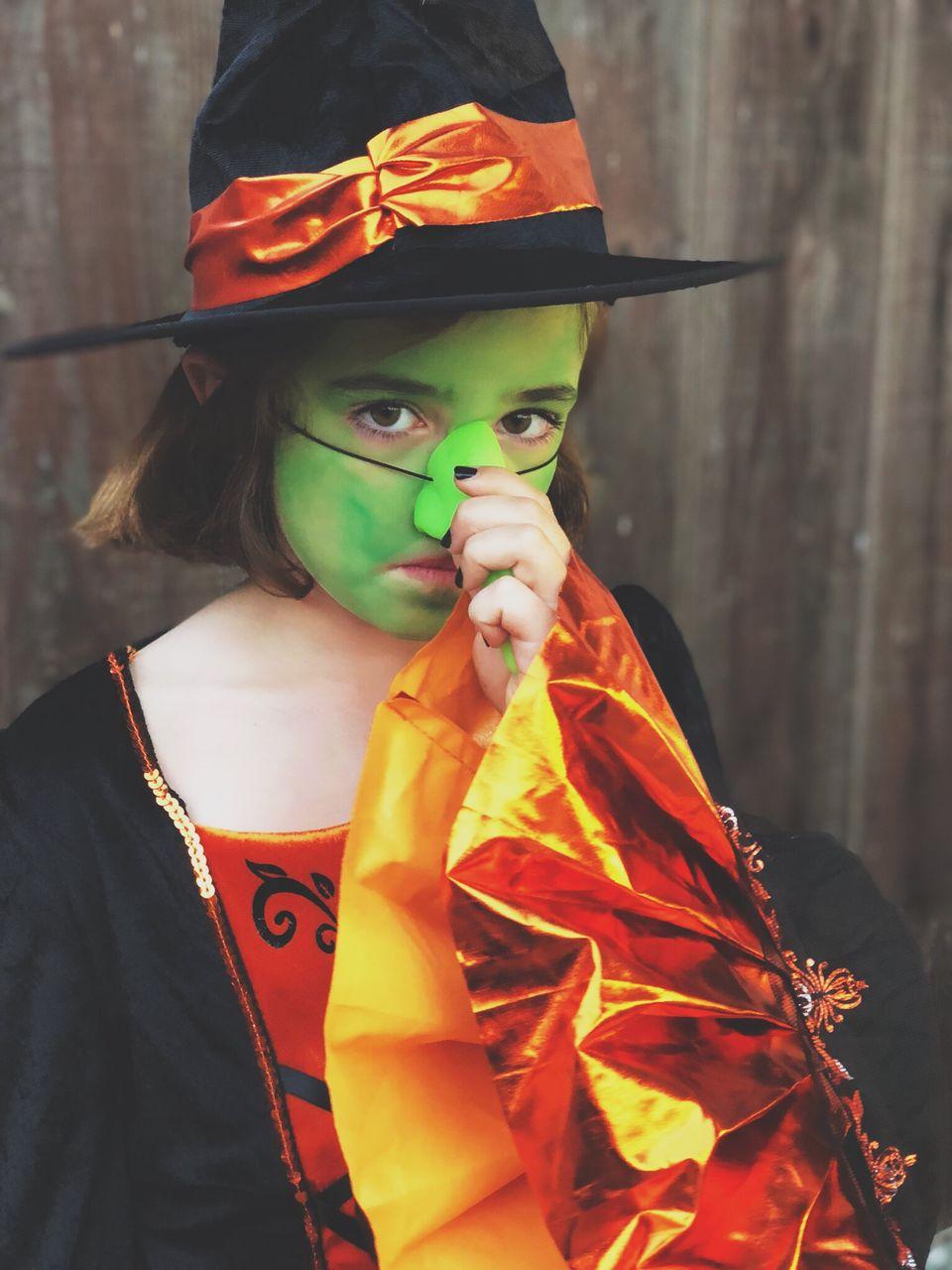 FULL LENGTH PORTRAIT OF GIRL WEARING HAT