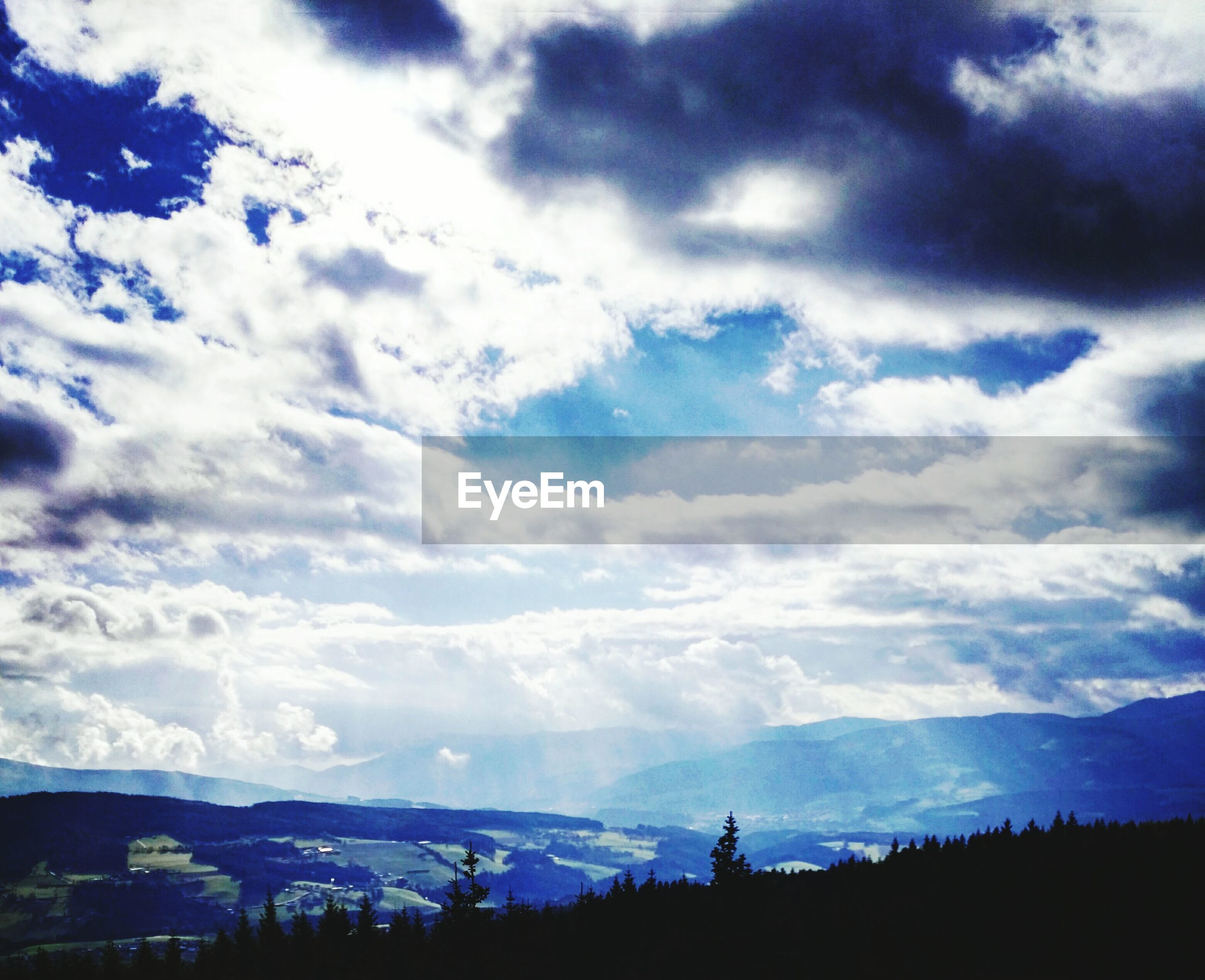 sky, cloud - sky, nature, beauty in nature, tranquility, scenics, tranquil scene, tree, outdoors, growth, no people, sunbeam, day, landscape, mountain