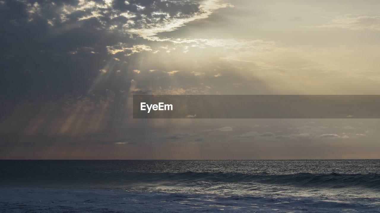 sea, sky, water, cloud - sky, horizon over water, horizon, beauty in nature, scenics - nature, nature, tranquility, sunlight, no people, idyllic, waterfront, tranquil scene, outdoors, sunbeam, sunset, sun