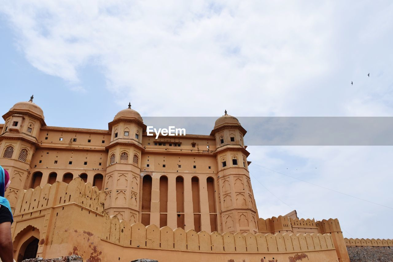 architecture, built structure, building exterior, sky, low angle view, cloud - sky, history, the past, nature, travel destinations, building, day, architectural column, travel, no people, outdoors, tourism, city, arch, ancient civilization, ornate