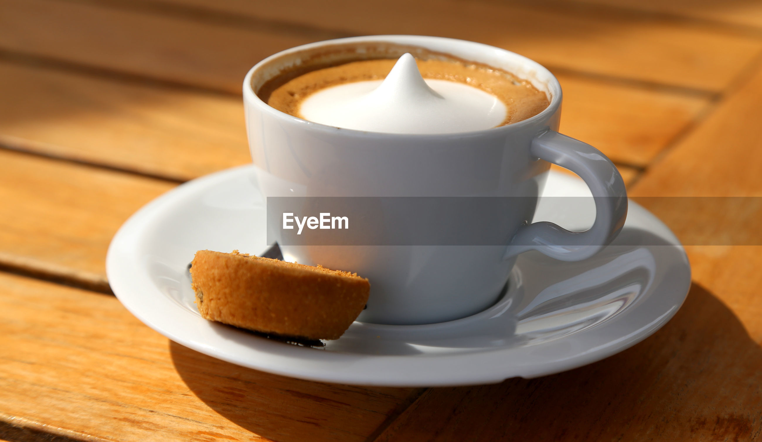 food and drink, drink, refreshment, mug, coffee cup, coffee, cup, saucer, table, coffee - drink, crockery, still life, wood - material, freshness, close-up, indoors, food, no people, focus on foreground, frothy drink, temptation, non-alcoholic beverage