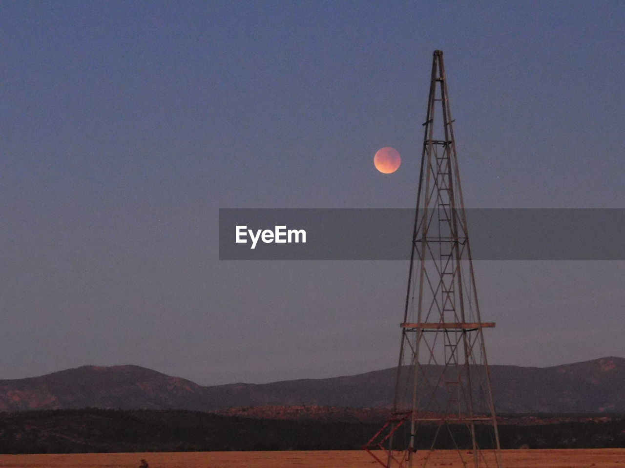 moon, astronomy, nature, beauty in nature, scenics, tranquility, outdoors, space exploration, clear sky, night, no people, sky, space, half moon, crescent, astronomy telescope