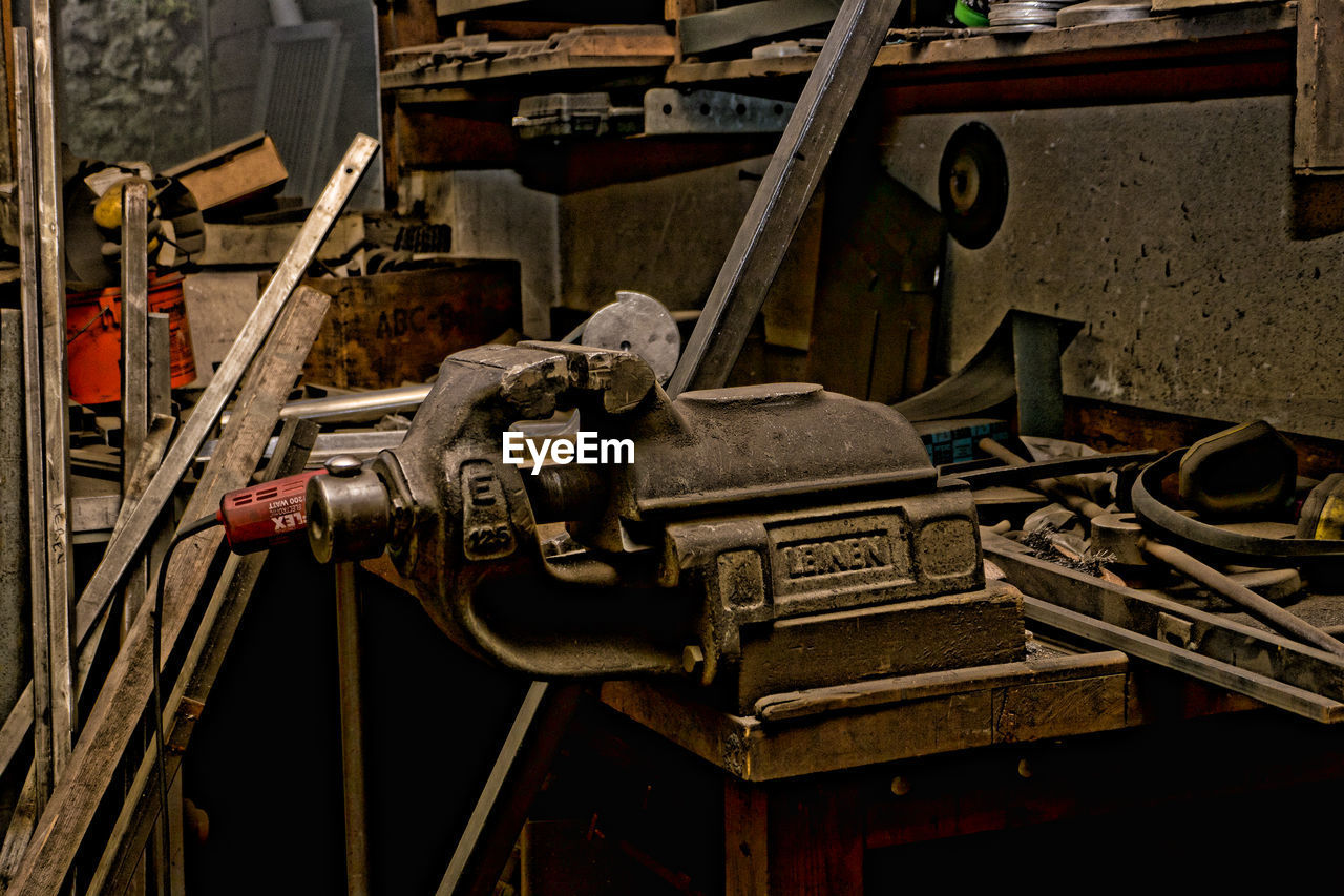 machine part, industry, machinery, metal, manufacturing equipment, no people, factory, indoors, day, close-up, metal industry