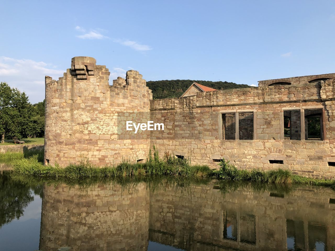 architecture, built structure, building exterior, history, the past, sky, reflection, water, building, old, nature, day, no people, outdoors, travel destinations, castle, waterfront, lake, window, ruined