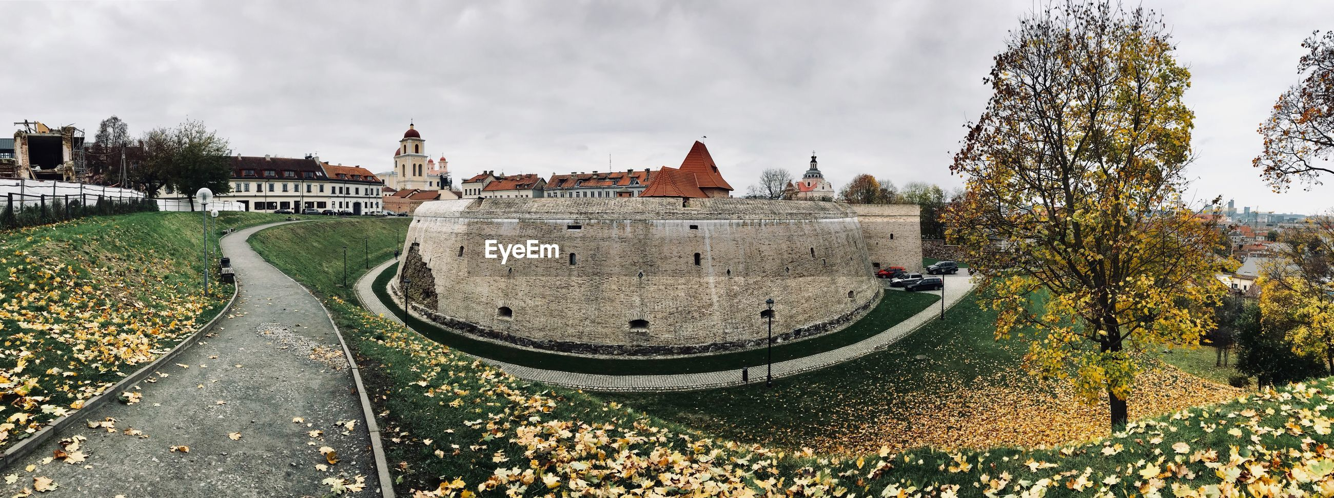 PANORAMIC VIEW OF CITY DURING AUTUMN